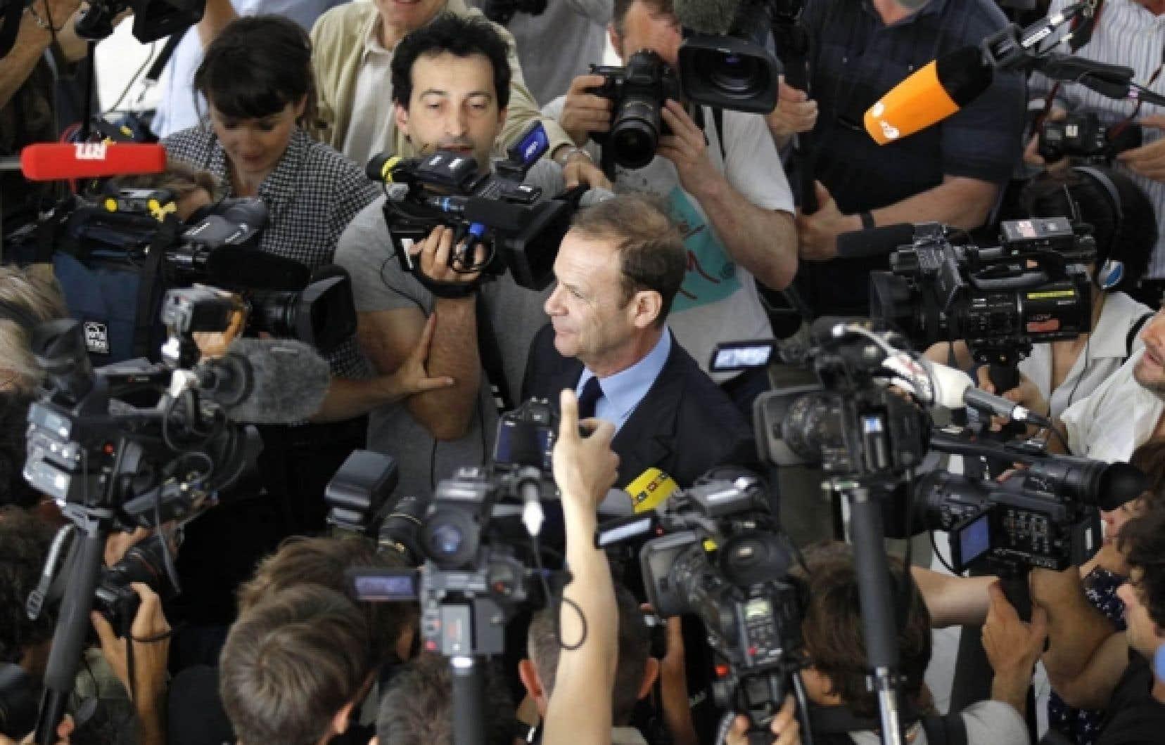 Le photographe François-Marie Banier jeudi, après sa comparution en cour à Nanterre.<br />