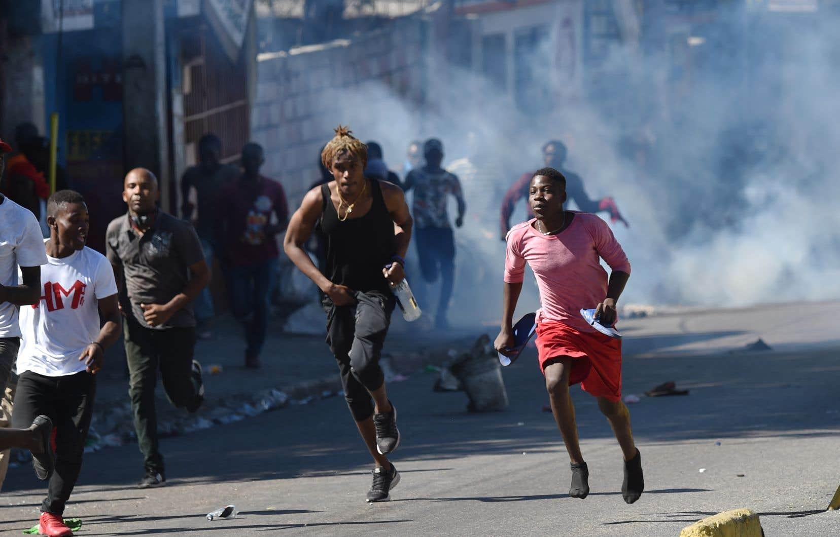 Depuis la large mobilisation nationale de l'opposition le 7février, marquant les deux ans du mandat présidentiel de Jovenel Moïse, des manifestations spontanées de plus faible ampleur ont gagné les principaux centres urbains du pays.