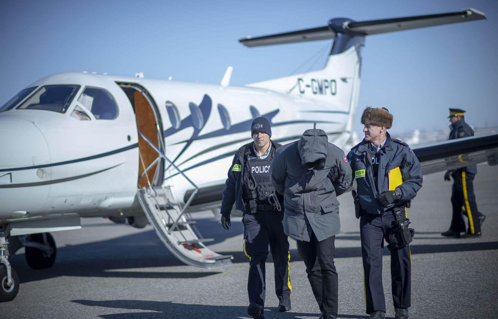 Un homme arrêté par la GRC à Toronto a été transporté à Montréal dans le cadre de l'opération Collecteur.
