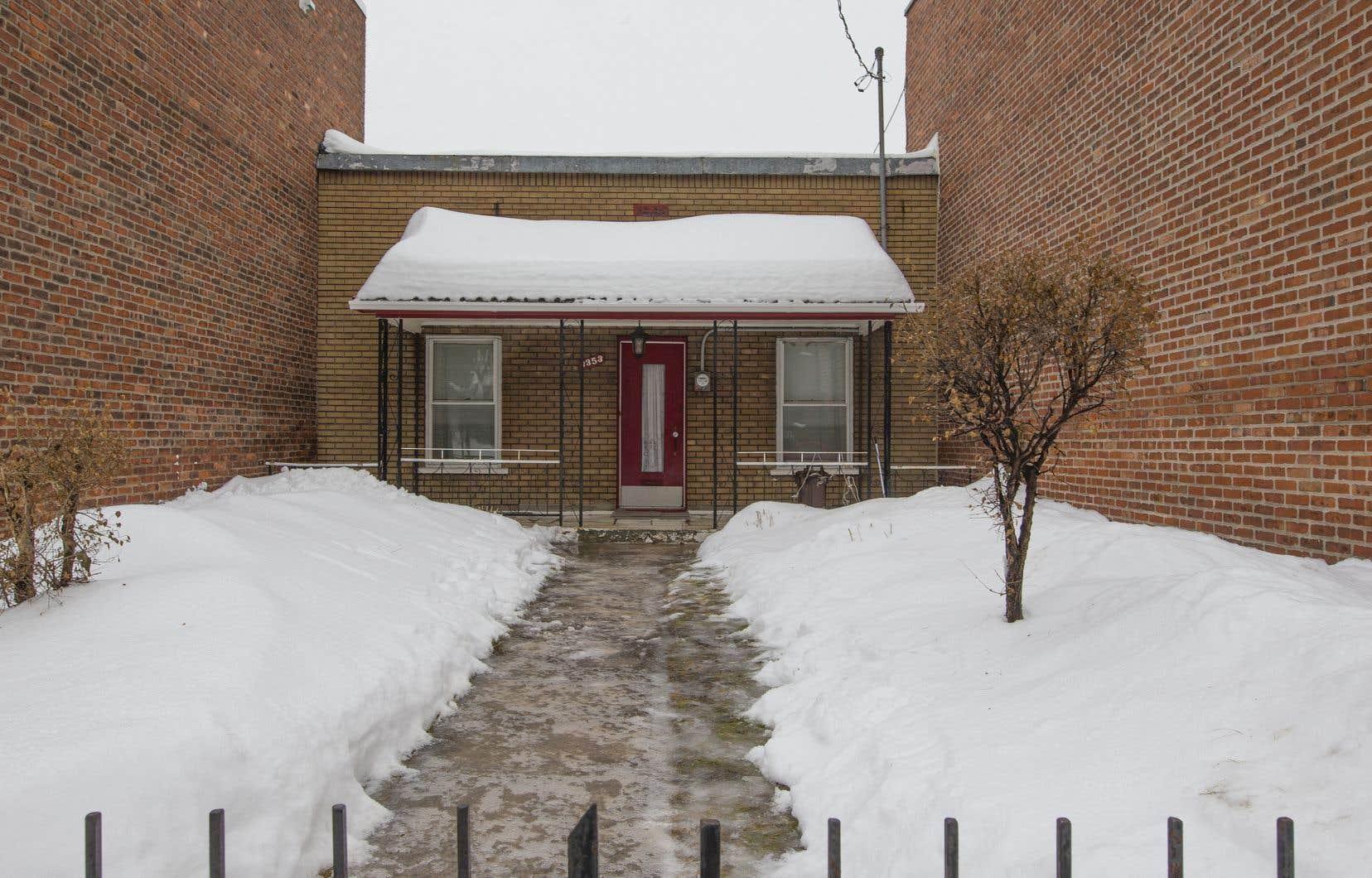 Les demandes de permis pour des projets de transformation et de démolition des maisons dites «shoebox» ont été gelées par les élus dans l'arrondissement de Rosemont–La Petite-Patrie.
