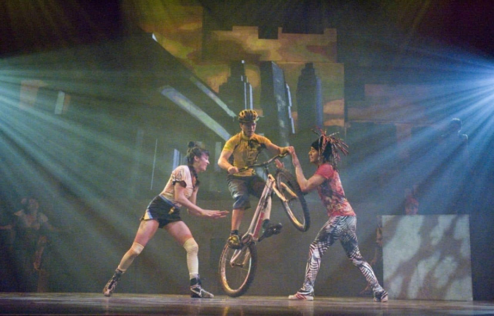 Acrobate à vélo, costumes inspirés de mangas japonaises, baskets et dreadlocks, I.D. carbure au rock, au risque et à l'adrénaline.