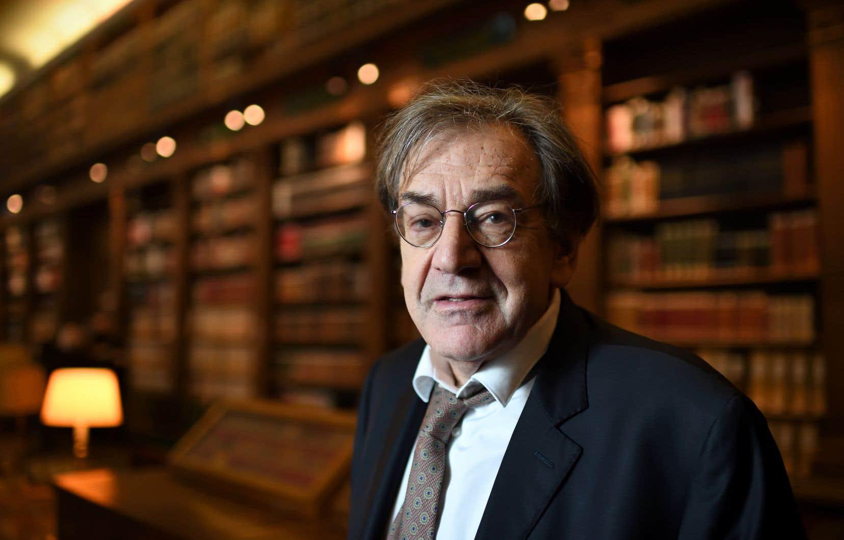 Le philosophe Alain Finkielkrauta d'abord accueilli avec bienveillance le mouvement des gilets jaunes, avant d'en critiquer l'évolution.