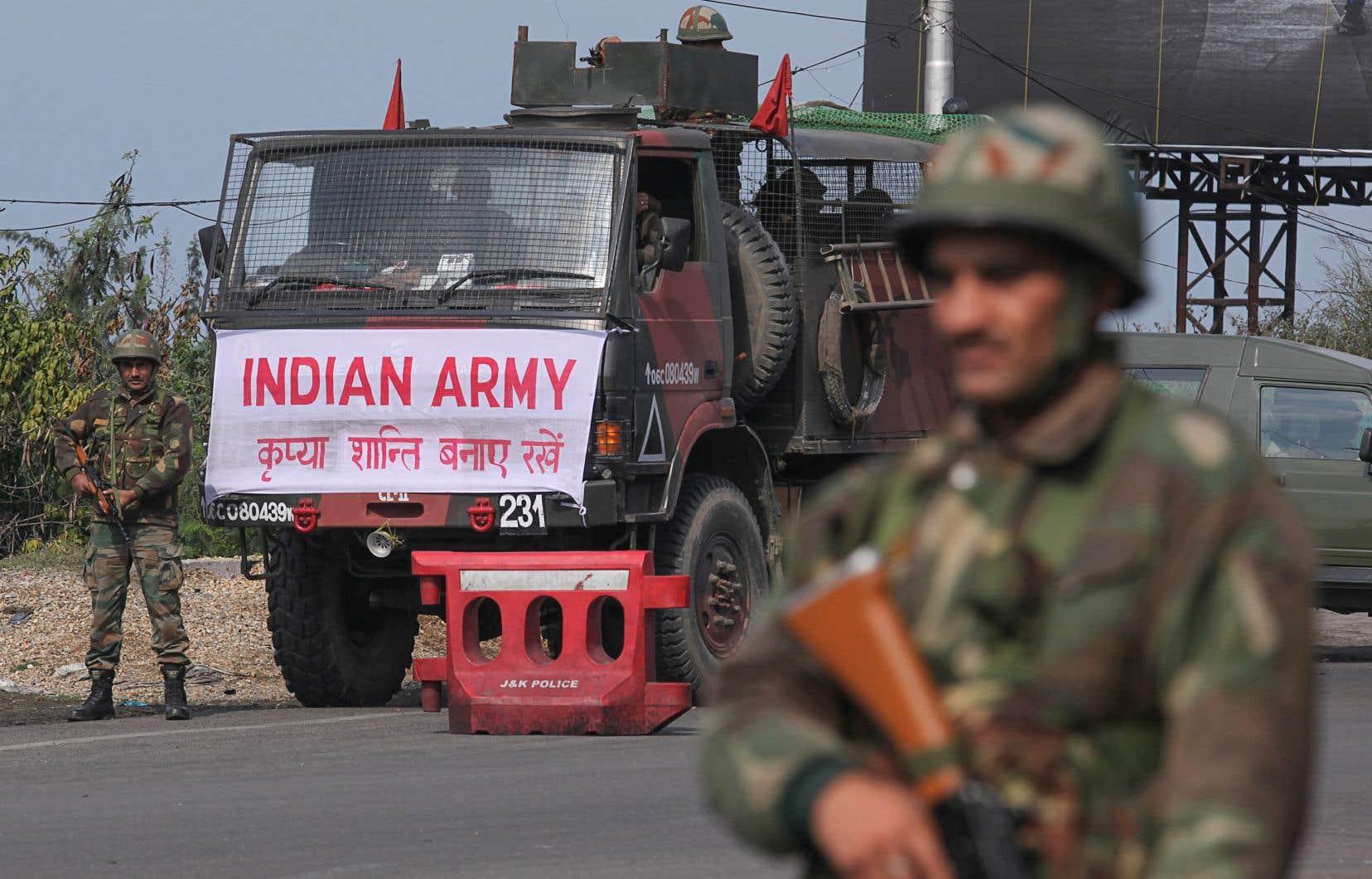 Les forces indiennes dans la partie du Cachemire sous contrôle de New Delhi sont estimées à un demi-million d'hommes, ce qui en fait l'une des zones les plus militarisées du monde.