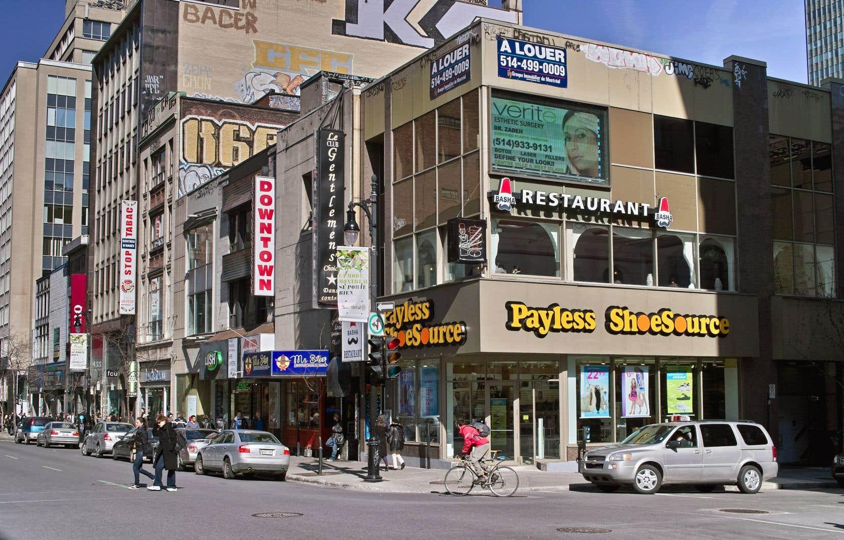 Au Canada, où se trouvent 248 magasins, environ 2400 travailleurs seront touchés par les fermetures.