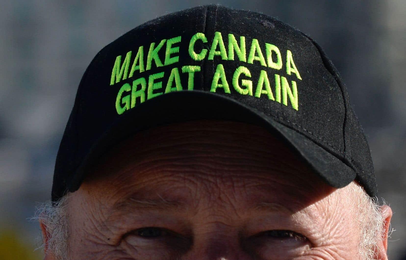 Un convoi de citoyens de l'Ouest canadien en colère est arrivé sur la colline du Parlement mardi pour protester contre les politiques énergétiques et environnementales du gouvernement Trudeau.