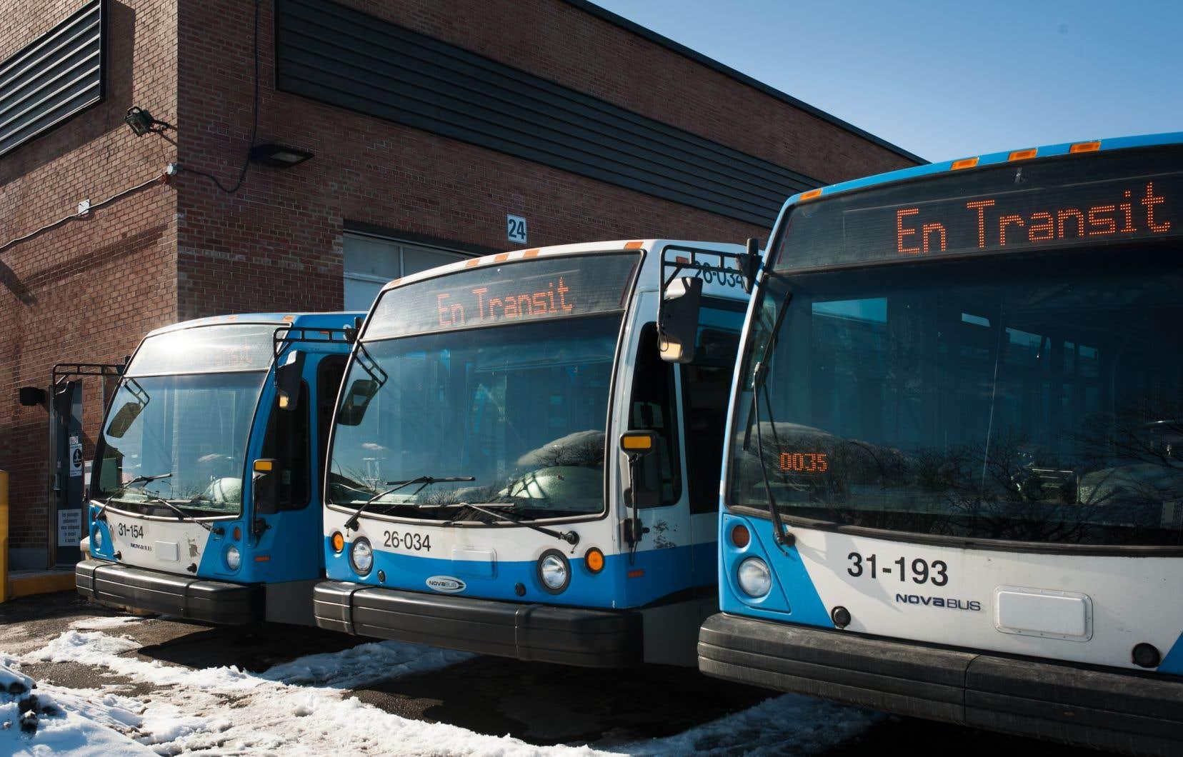 La STM estime que les moyens de pression des employés d'entretien faisaient en sorte qu'un nombre anormalement élevé d'autobus devaient rester dans les garages.