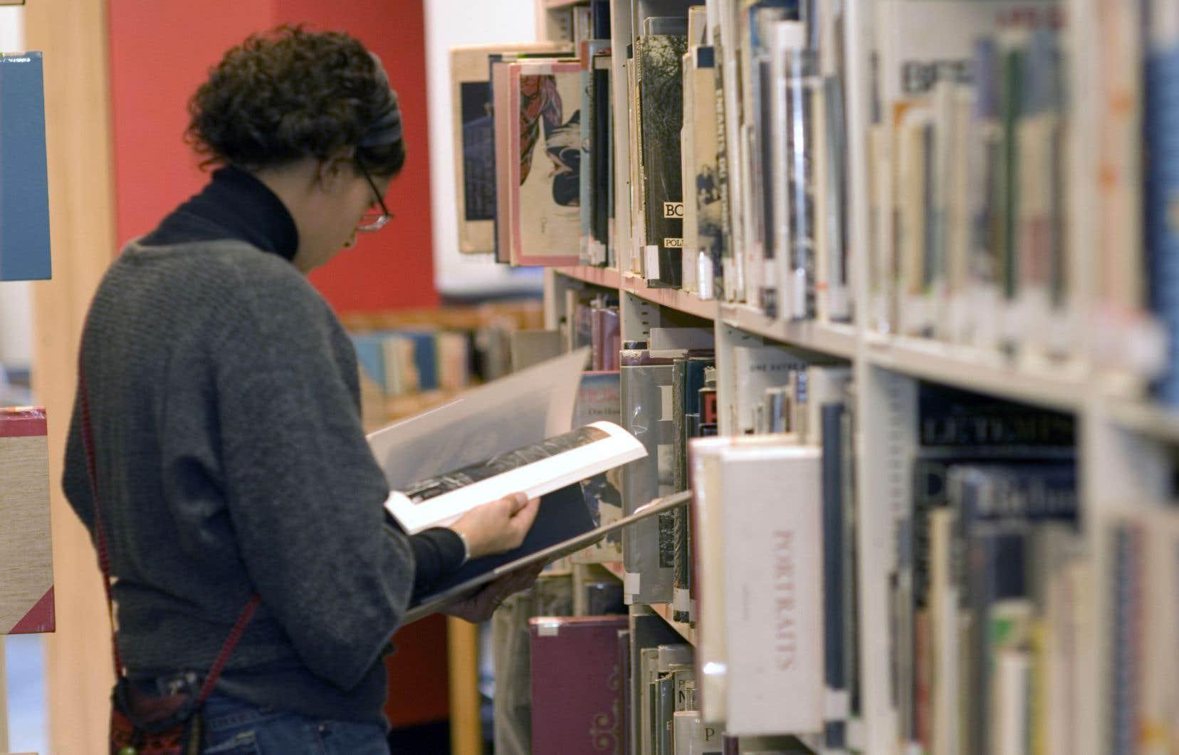La politique culturelle a agi en incitatif aux gouvernements régionaux pour réaliser un grand nombre de projets culturels, notamment la construction de bibliothèques, rappelle le titulaire de la Chaire de gestion des arts de HEC, François Colbert.