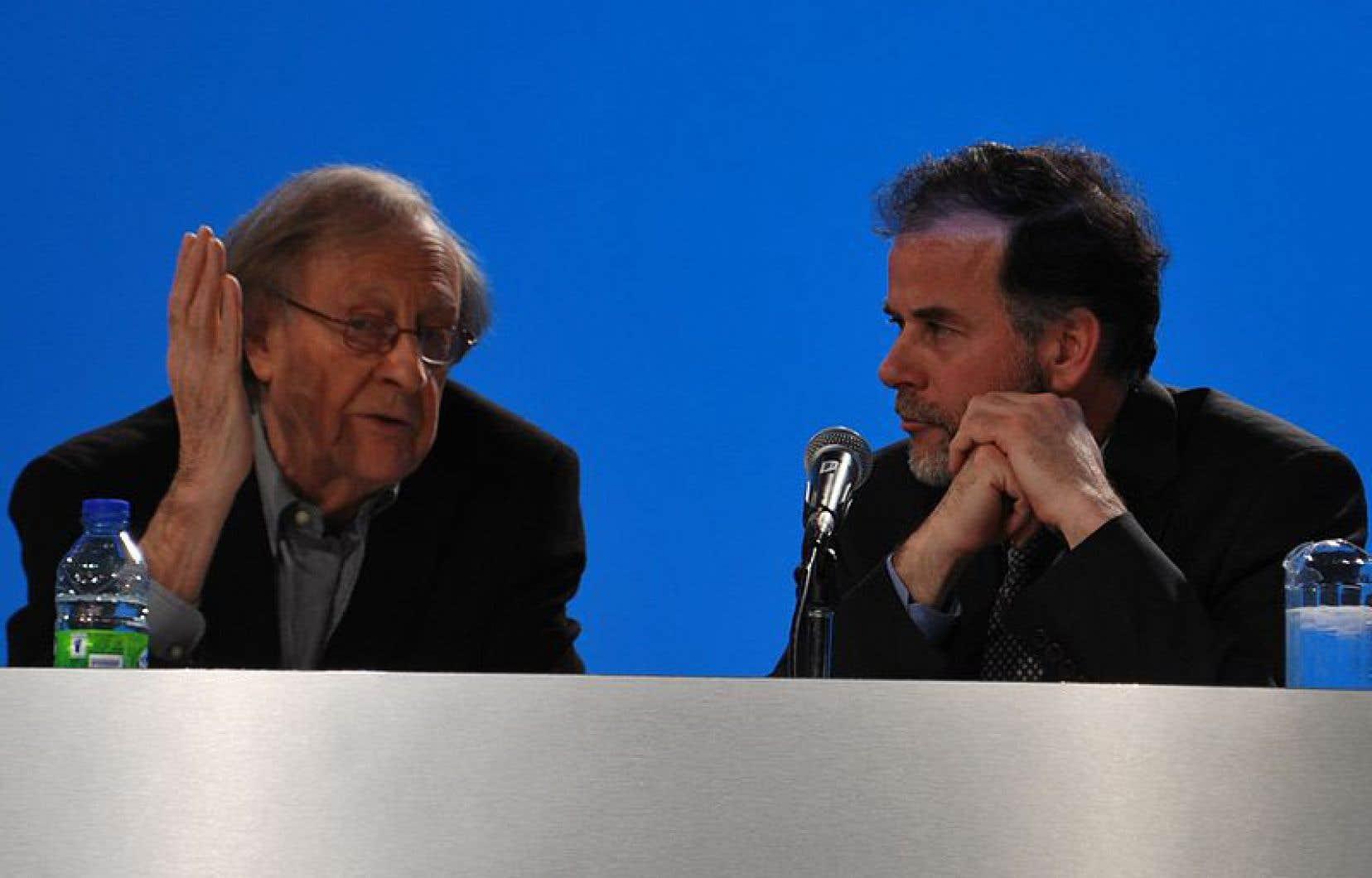 Guy Rocher et Pierre Duchesne lors du 63e Congrès de la CSN en mai 2011 au Palais des congrès de Montréal