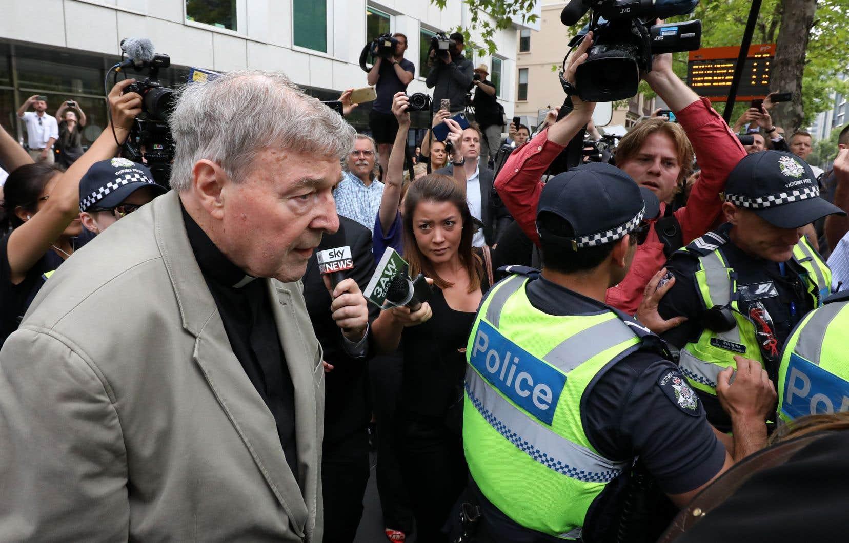 La peine à laquelle le cardinal sera condamné n'a pas été fixée. Une nouvelle audience est prévue mercredi.