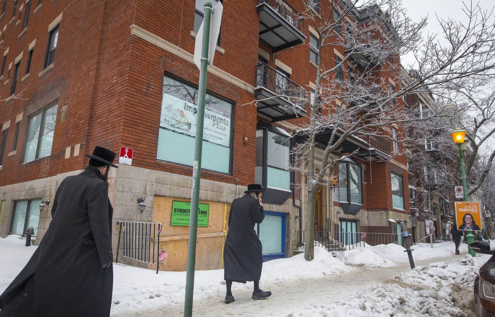 Un résident d'Outremont s'est adressé à la Cour supérieure, mercredi, afin de tenter de bloquer le projet de synagogue sur l'avenue Bernard.