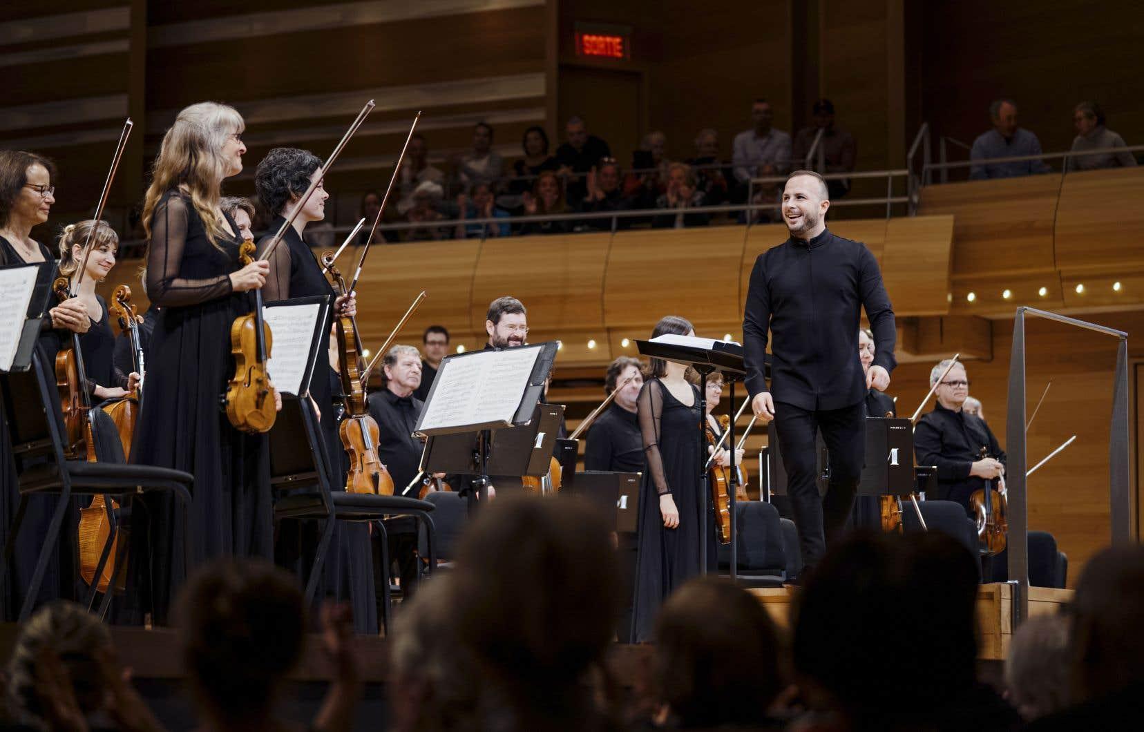 Les femmes se taillent des places de choix dans les rouages du classique, jusqu'au poste tabou, celui de chef d'orchestre. Plutôt que d'être spectateur du phénomène, Yannick Nézet-Séguin a décidé d'en être un acteur et promoteur.