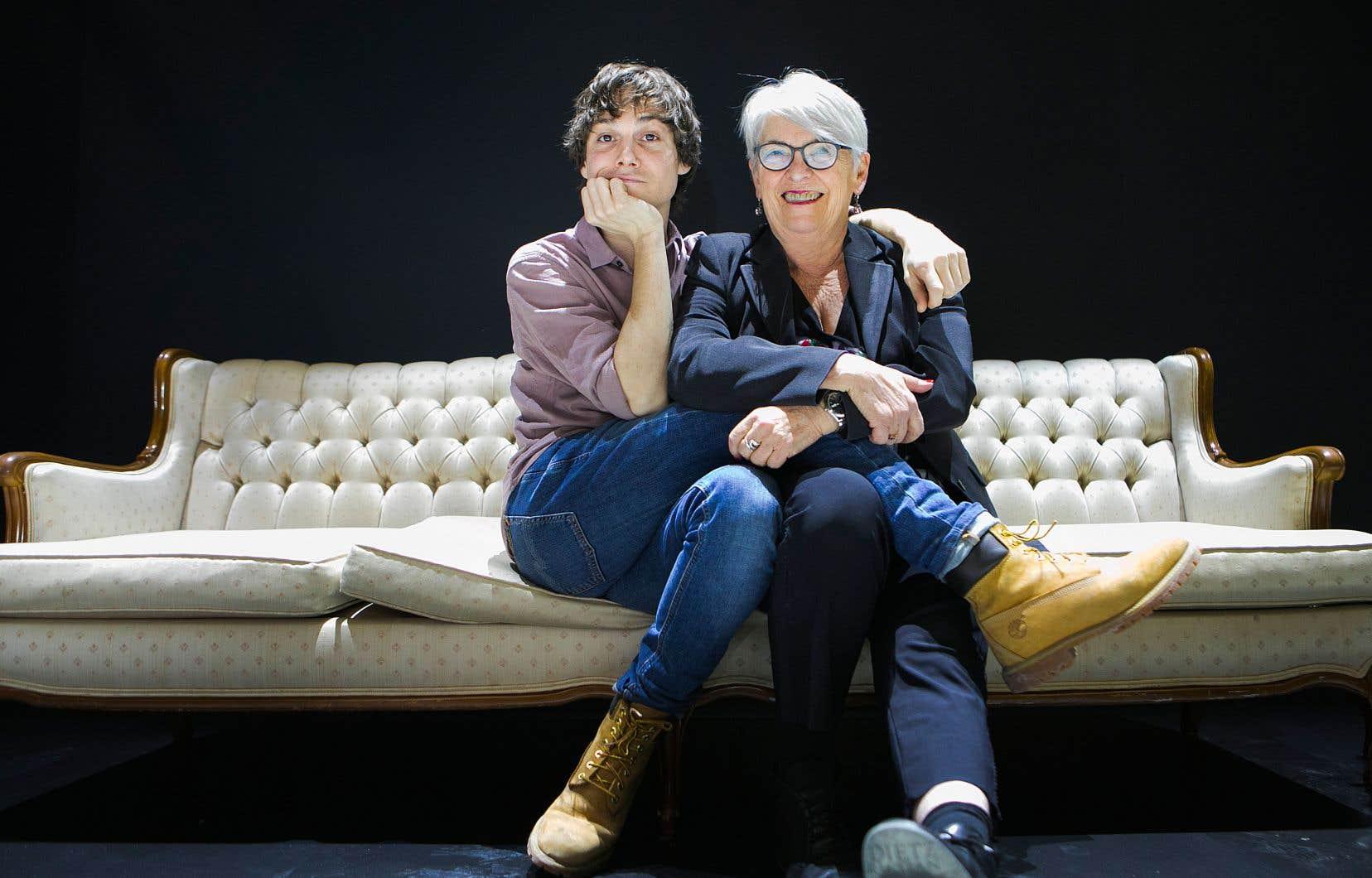 La pièce créée à Espace Go prend la forme d'une sorte d'«hymne à la création» lumineux, qui donne beaucoup de place à la musique et à la musicalité de la poésie, décrivent ses deux auteurs, Brigitte Haentjens et Dany Boudreault.