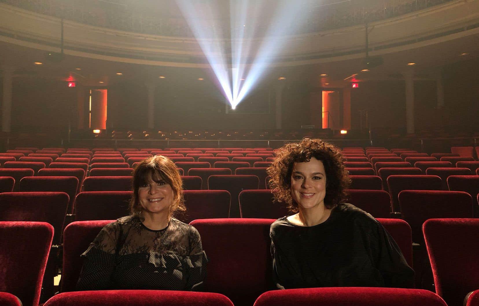 <p>La comédienne Hélène Bourgeois-Leclerc anime avec aisance et un plaisir évident cette série d'entretiens-projections.</p>