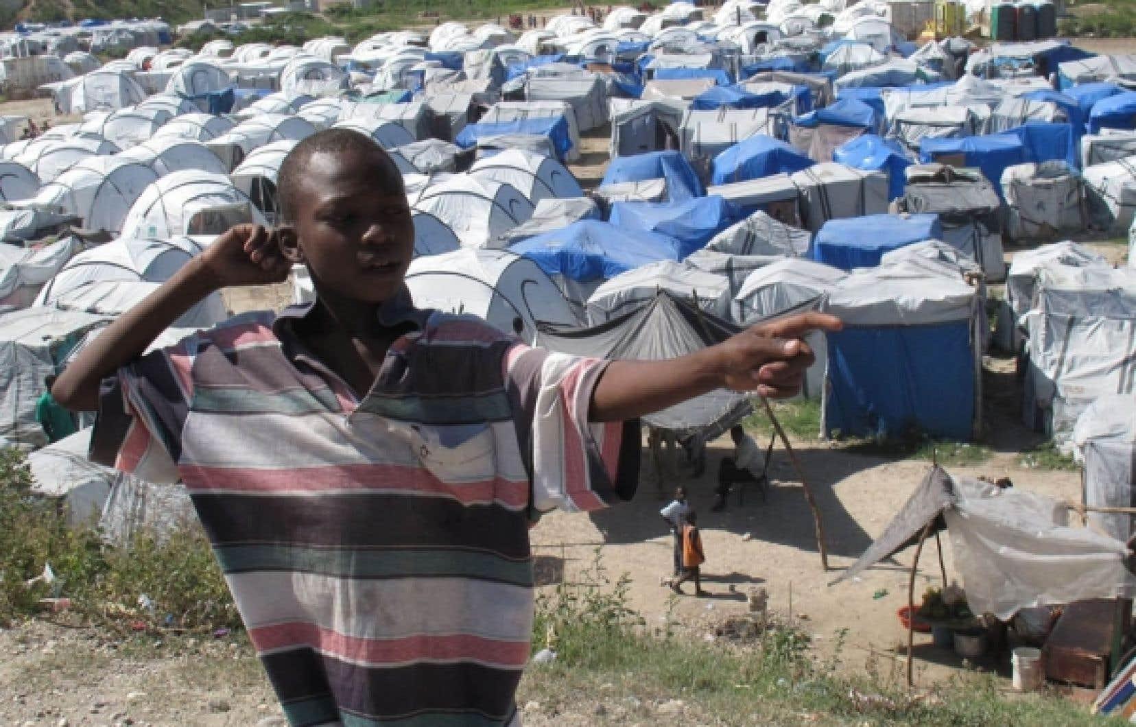 Haïti - Le règne des tentes n'est pas terminé | Le Devoir