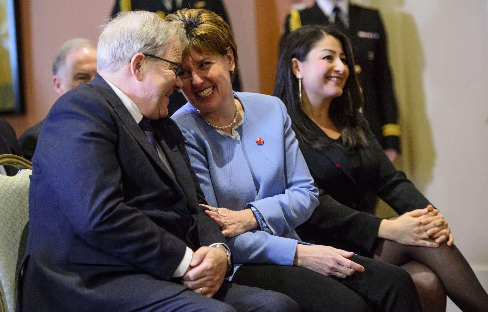 Les ministres Lawrence MacAuley, Marie-Claude Bibeau et Maryam Monsef ont été assermentés vendredi.