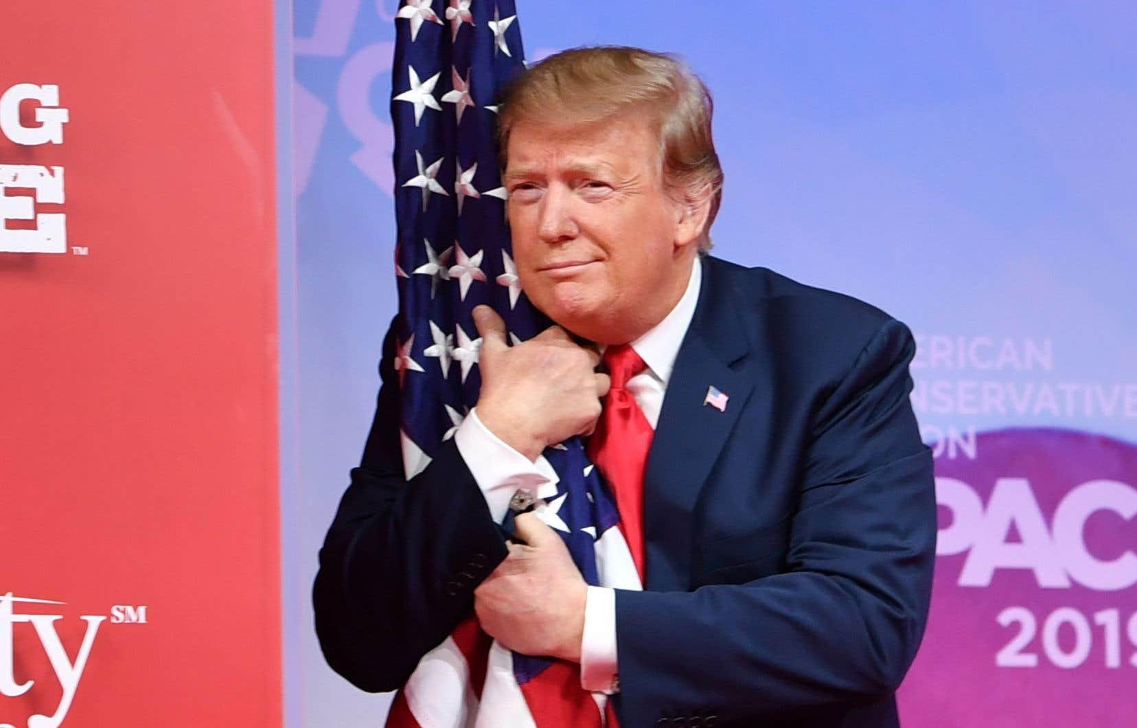 Le président américain Donald Trump a livré samedi lors du grand rendez-vous annuel des conservateurs ce qui s'apparentait à un discours fleuve de campagne.