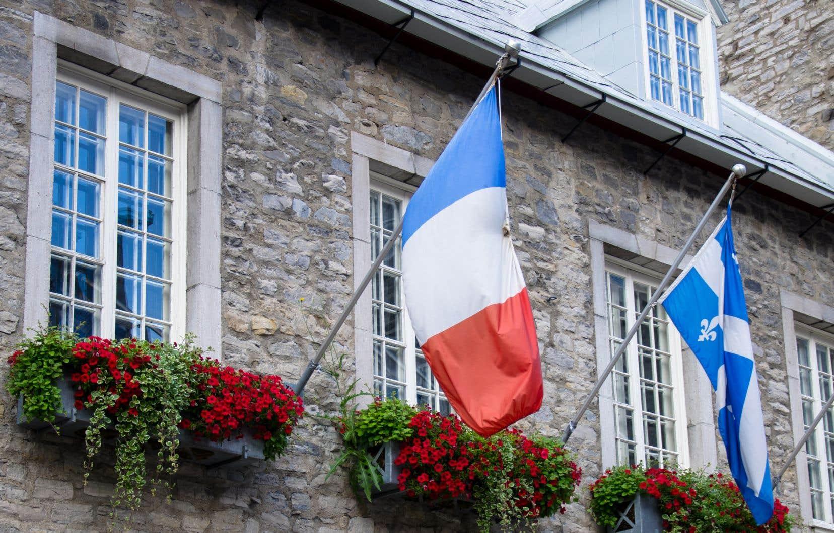 Selon les auteurs, «les rapports entre la France et le Québec ont progressé au rythme des actions de cet infatigable promoteur de la langue française».