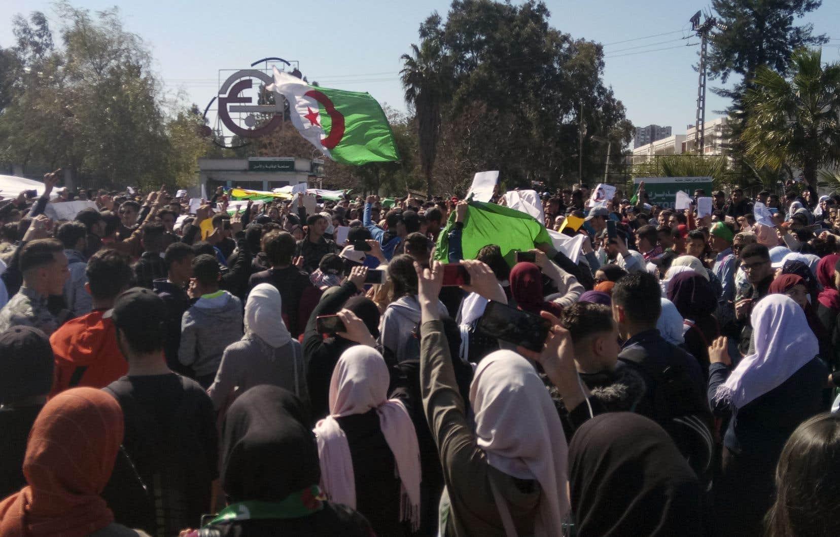 En annonçant sa candidature à un 5emandat, le président Bouteflika a mis fin à des mois d'incertitude sur ses intentions mais aussi déclenché une contestation de son pouvoir.