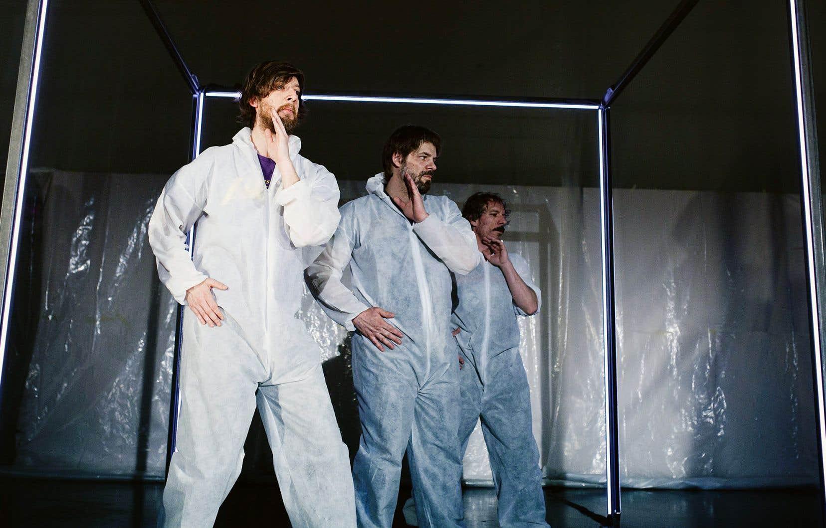 Le spectacle d'Emmanuel Schwartz, de Benoît Gob et de Francis LaHaye déploie une forme pour le moins inusitée d'autofiction scénique.