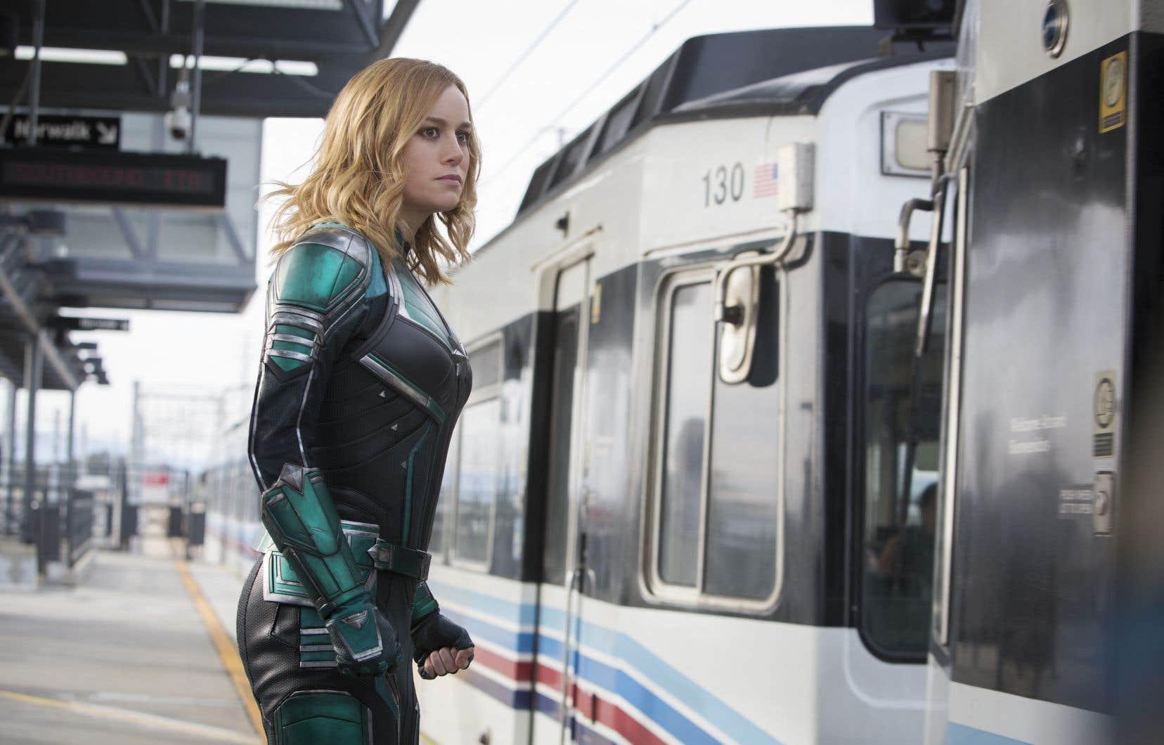 Pour la première fois dans l'Univers cinématographique Marvel, le premier rôle est donné à une superhéroïne, incarnée par Brie Larson.