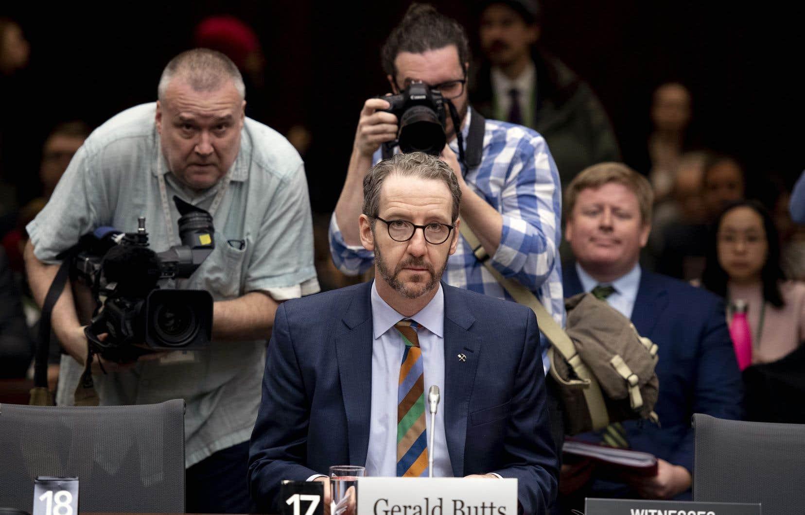 Gerald Butts a soutenu au Comité permanent de la justice que les échanges entre le bureau du premier ministre et l'ancienne procureure générale du Canada ont été faits «selon les normes les plus strictes».