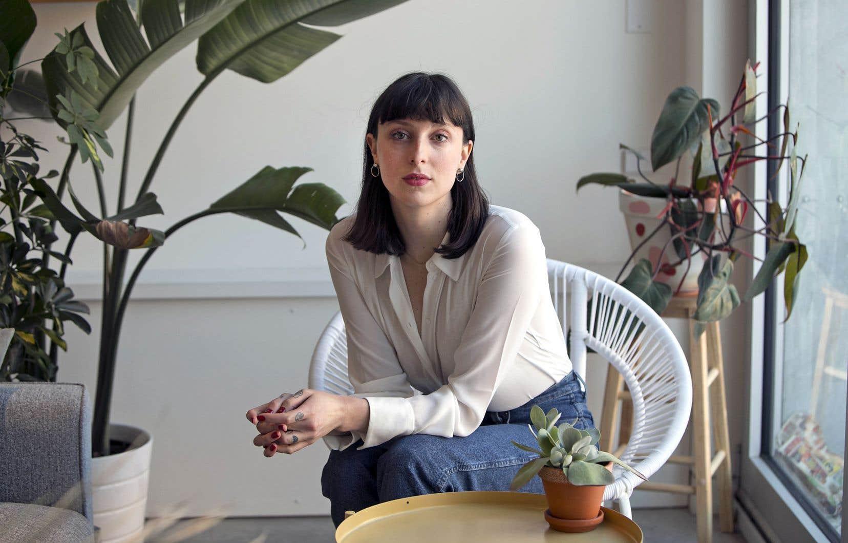 Le blogue «Les fourchettes», «ça fait partie de moi et ça fait l'auteure que je suis», raconte la grande brune native de Granby, qui porte au poignet un tatouage de l'ustensile filiforme.