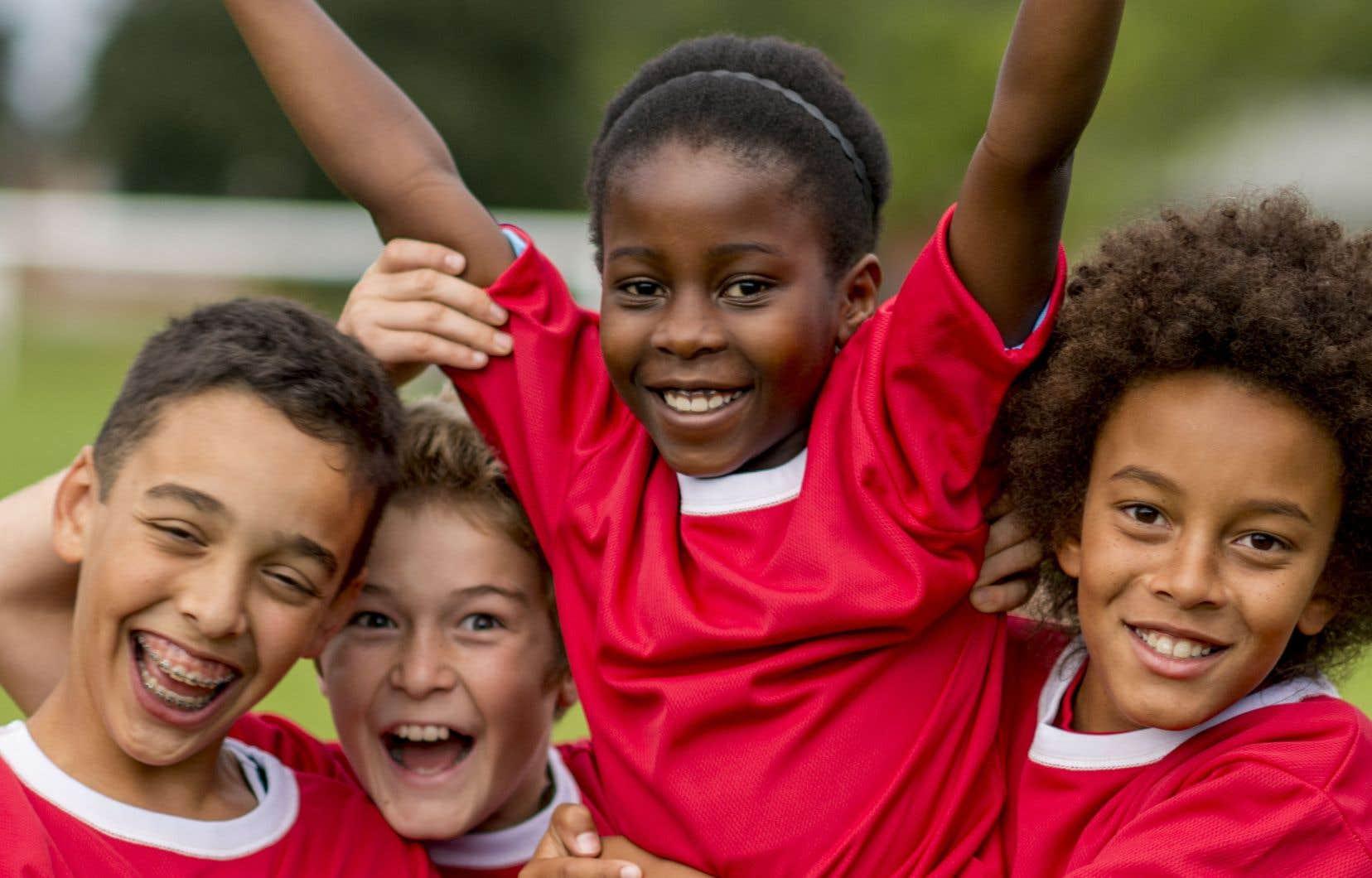 Certains parents estiment qu'en arrivant plus tard sur les bancs d'école, leur enfant aura gagné en maturité et pourra ainsi tirer profit de son statut d'«aîné».