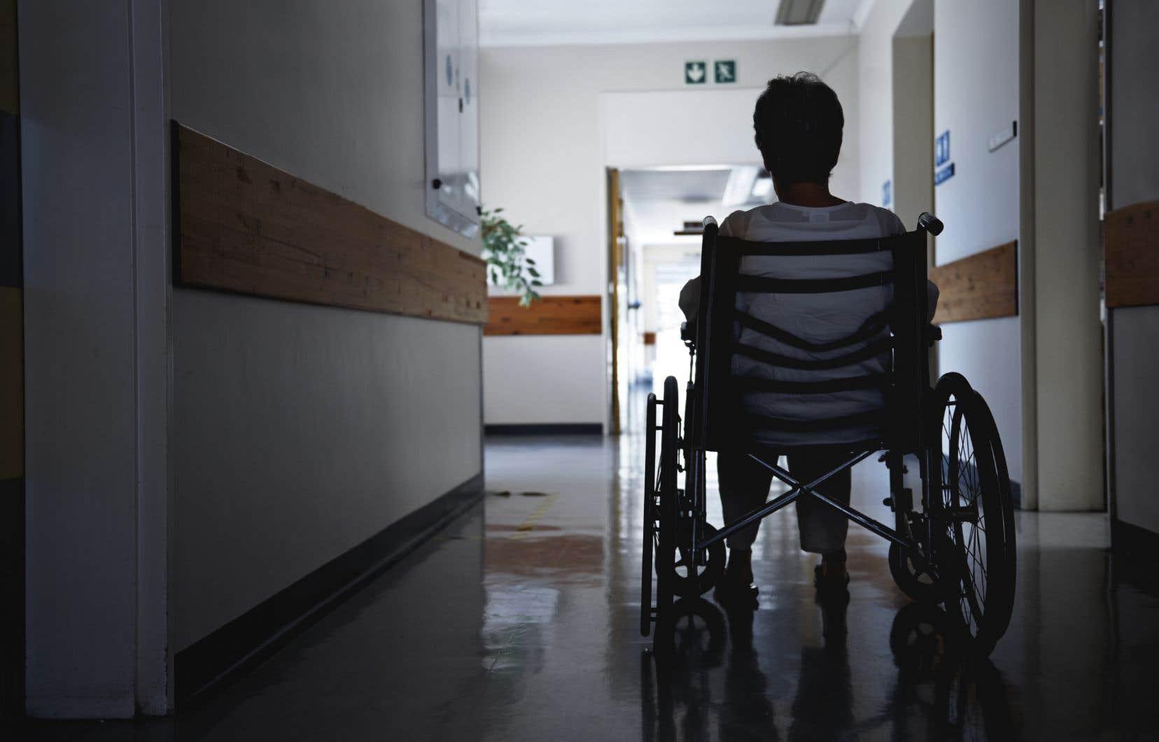 «Le gouvernement de la CAQ est en poste depuis plusieurs mois et, à moins de deux semaines de son important premier budget, nous n'avons aucune idée des orientations qu'il prendra en matière de santé», rappellent les auteurs.