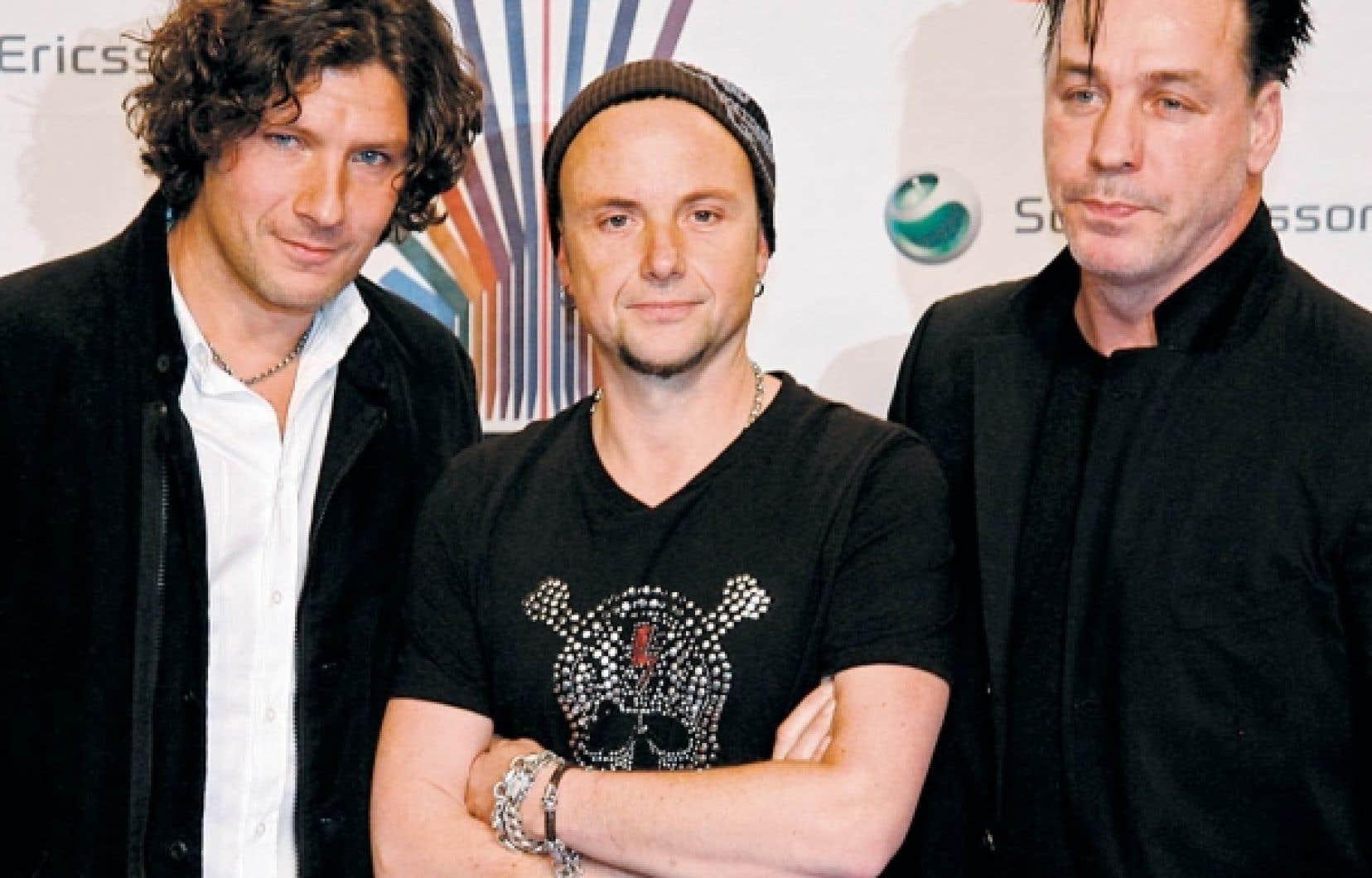 Christoph Schneider, Paul Landers et Till Lindemann, du groupe Rammstein, à leur arrivée au MTV Europe Music Awards, à Munich en novembre 2007.<br />