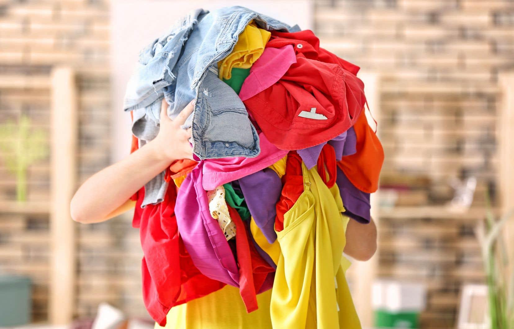 Le Canadien moyen envoie près de 37 kg de textiles au rebut chaque année.