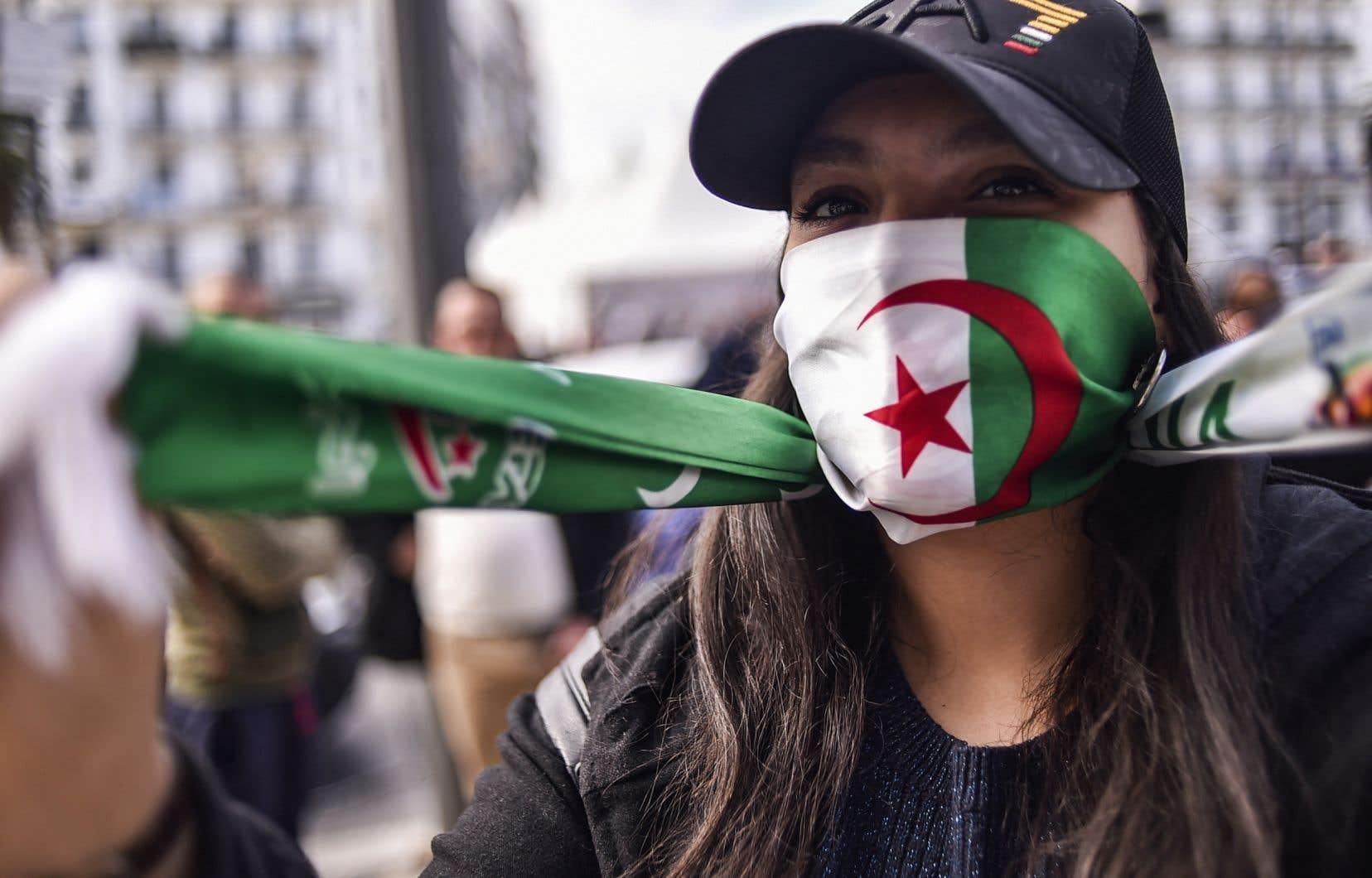 Le président algérien, Abdelaziz Bouteflika, est confronté depuis deux semaines à une contestation inédite en 20 ans de pouvoir.