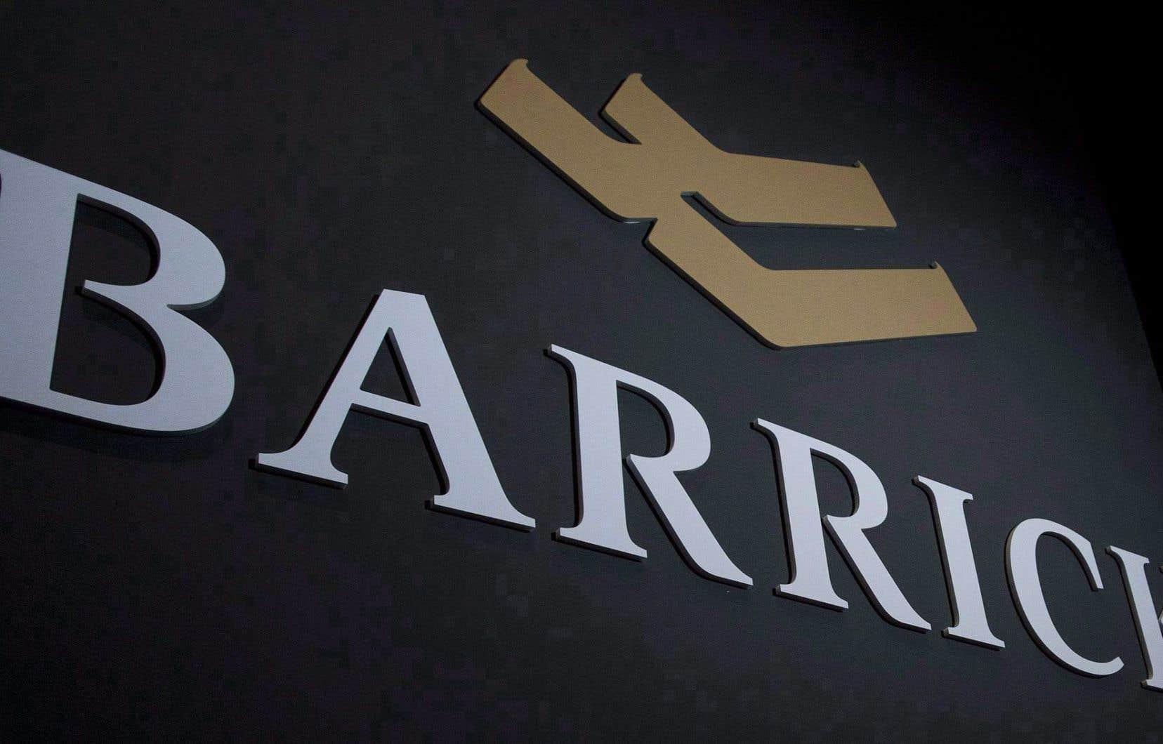 En vertu de l'accord, Barrick détiendra 61,5% du capital de la coentreprise, tandis que Newmont en possédera 38,5%.