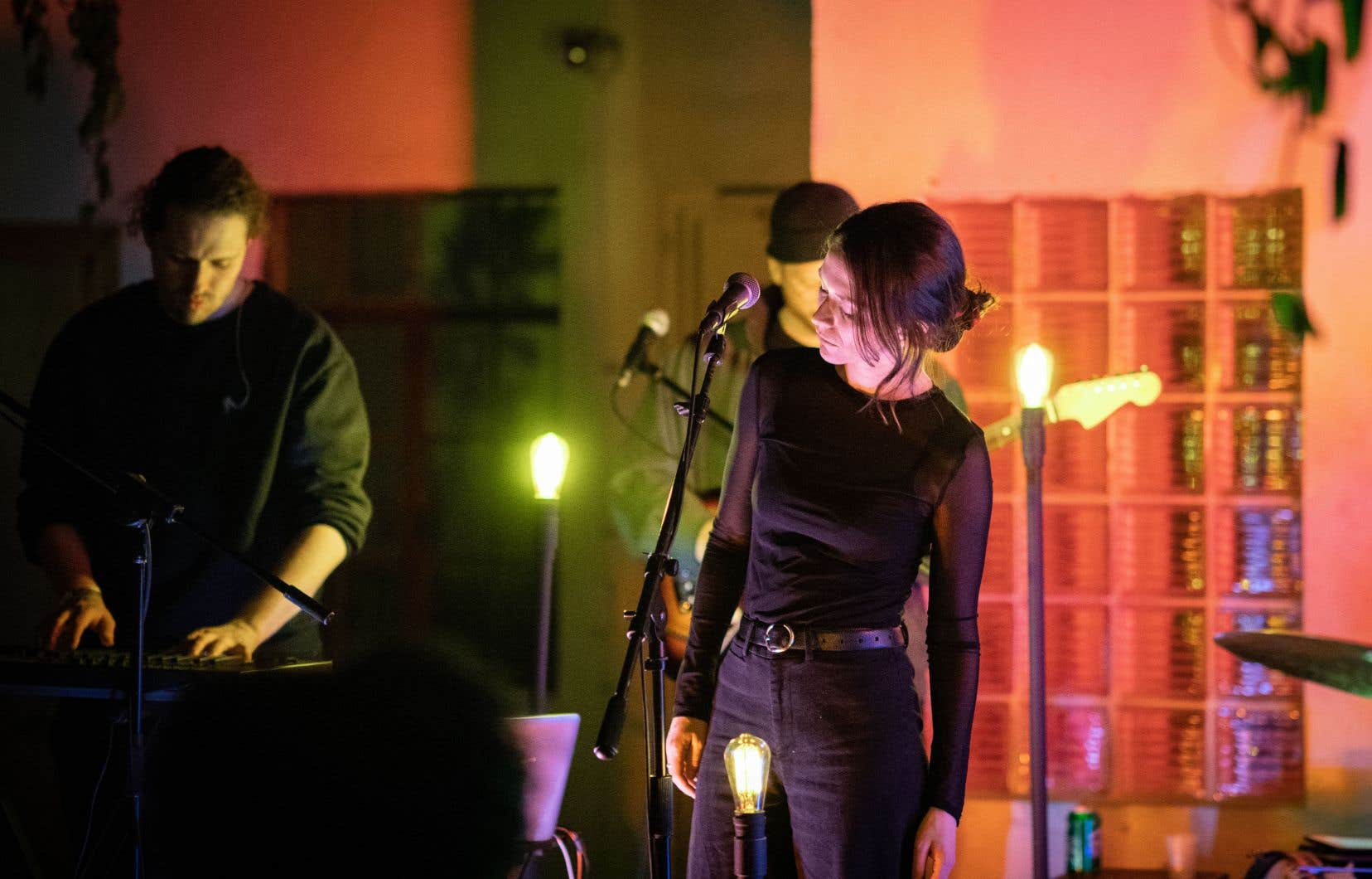 Lors du Phoque OFF, en février, le groupe Ghostly Kisses est monté sur la petite scène du Pantoum pendant une vingtaine de minutes, le temps de cinq chansons.