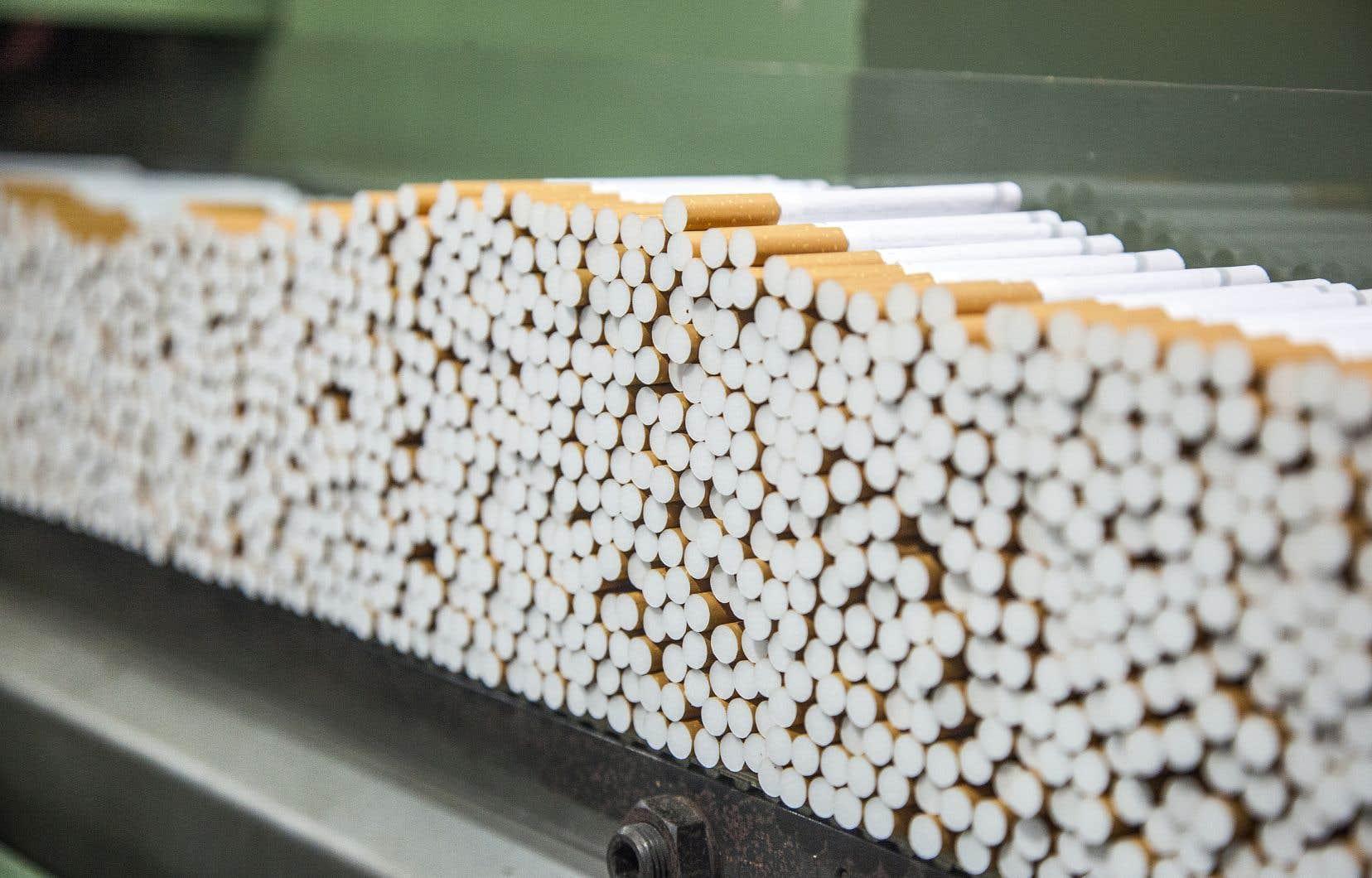 Un autre bras de fer commence entre les victimes québécoises du tabac et les fabricants de cigarettes.