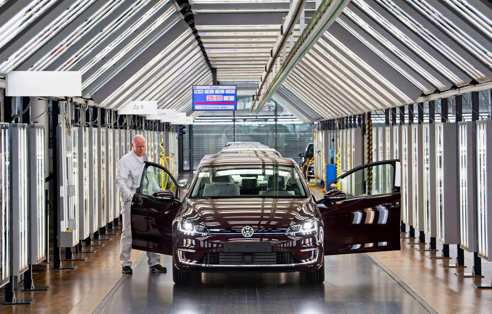 Volkswagen prévoit de lancer quelque 70 nouveaux modèles électriques d'ici 2028.