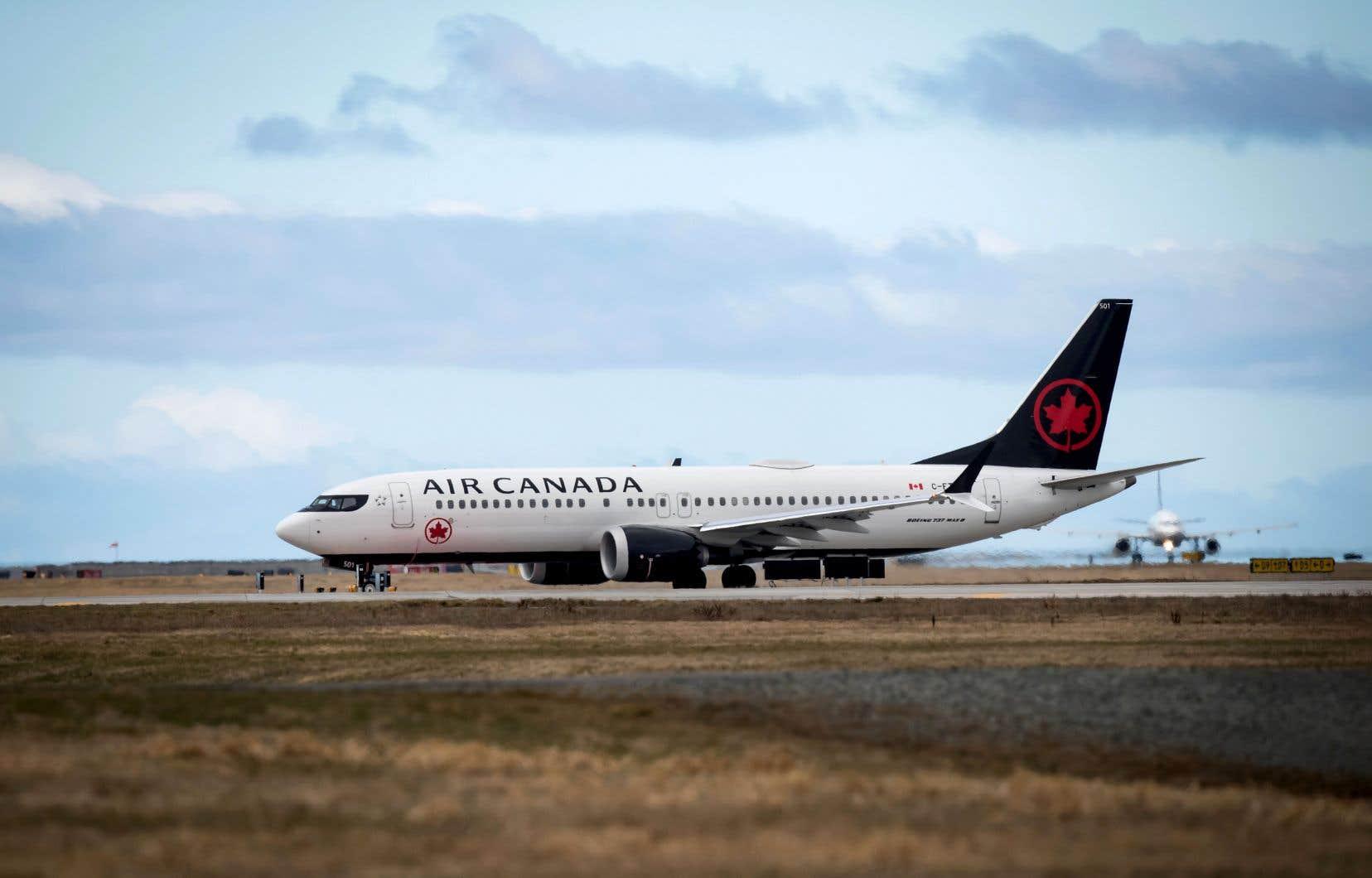 Au Canada, Air Canada (24 appareils), WestJet (13) et Sunwing (4) ont des Boeing 737 MAX 8 au sein de leur flotte. Mardi en fin de soirée, Sunwing a annoncé la suspension des opérations de ses quatre appareils.