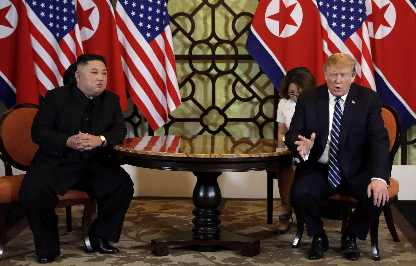 <p>Le dirigeant nord-coréen, Kim Jong-un, et le président des États-Unis, Donald Trump, n'ont pas réussià conclure un accord sur le désarmement atomique de la Corée du Nord.</p>