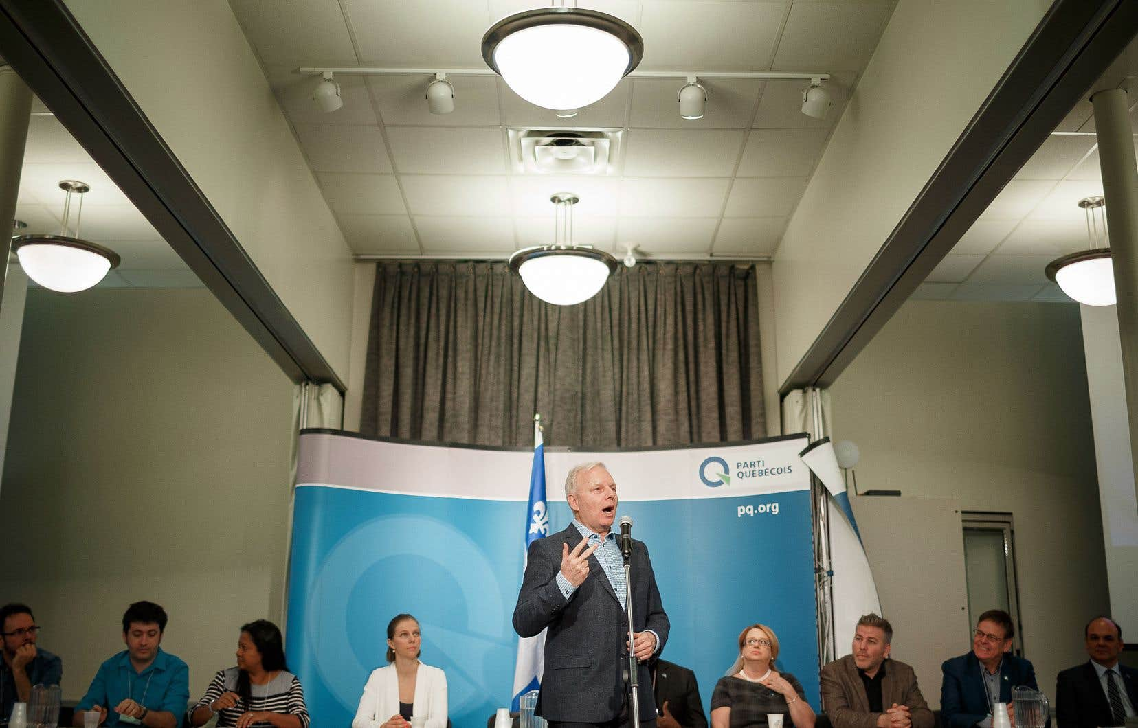 Un rapport commandé par Jean-François Lisée et publié en 2017 révélait que pour les Québécois de moins de 40ans, le PQ était devenu un «parti figé, conservateur et vieillissant». Le document s'accompagnait de 156 recommandations de changements.