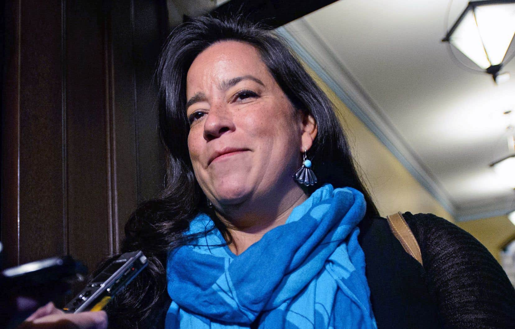 Jody Wilson-Raybould a toujours l'intention de porter les couleurs libérales lors des élections d'octobre prochain en dépit de son différend avec Justin Trudeau.