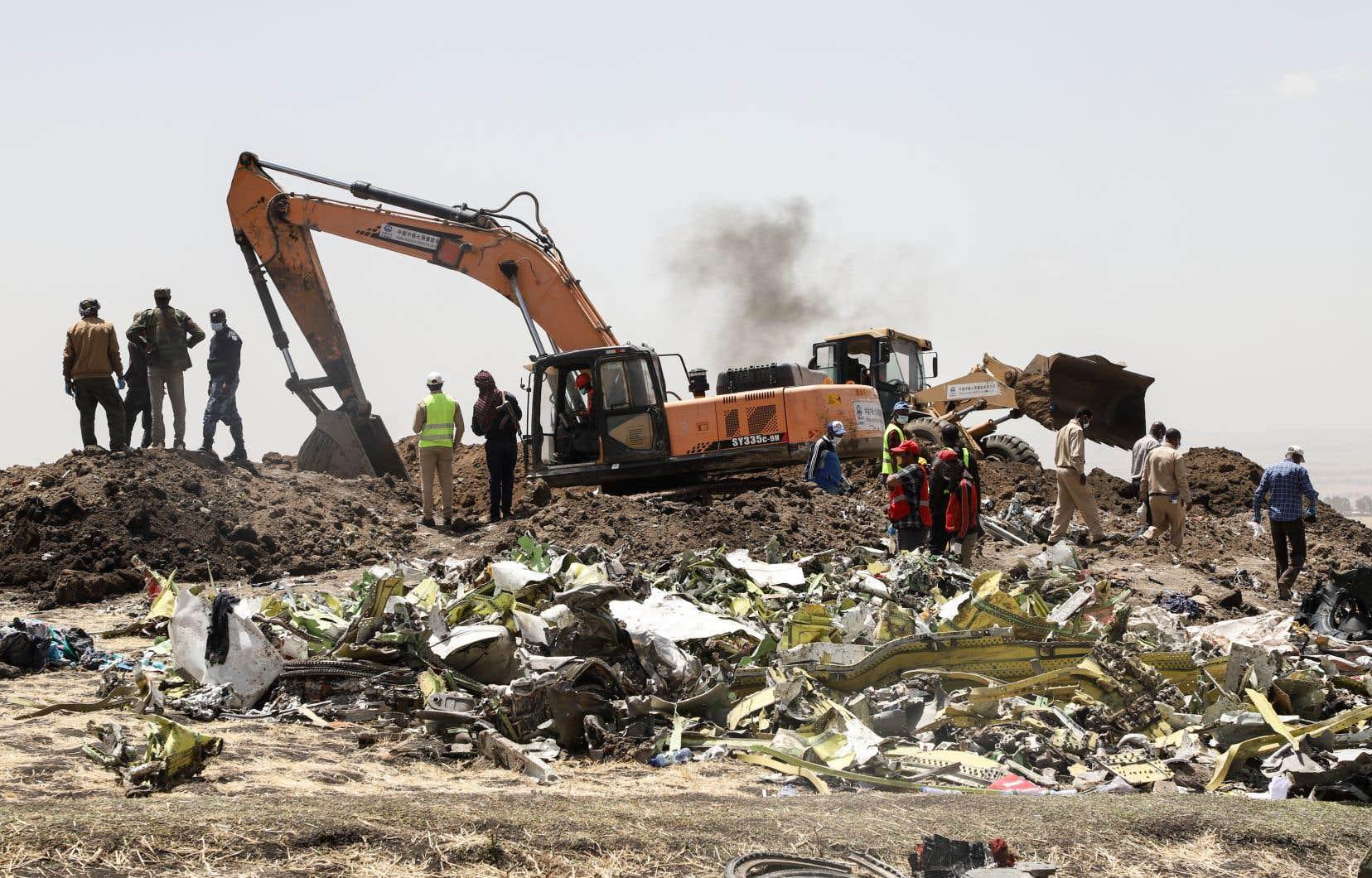 L'avion a été pulvérisé à l'impact, rendant difficile le travail d'identification des restes des victimes. Les analyses ADN pourraient prendre jusqu'à six mois.