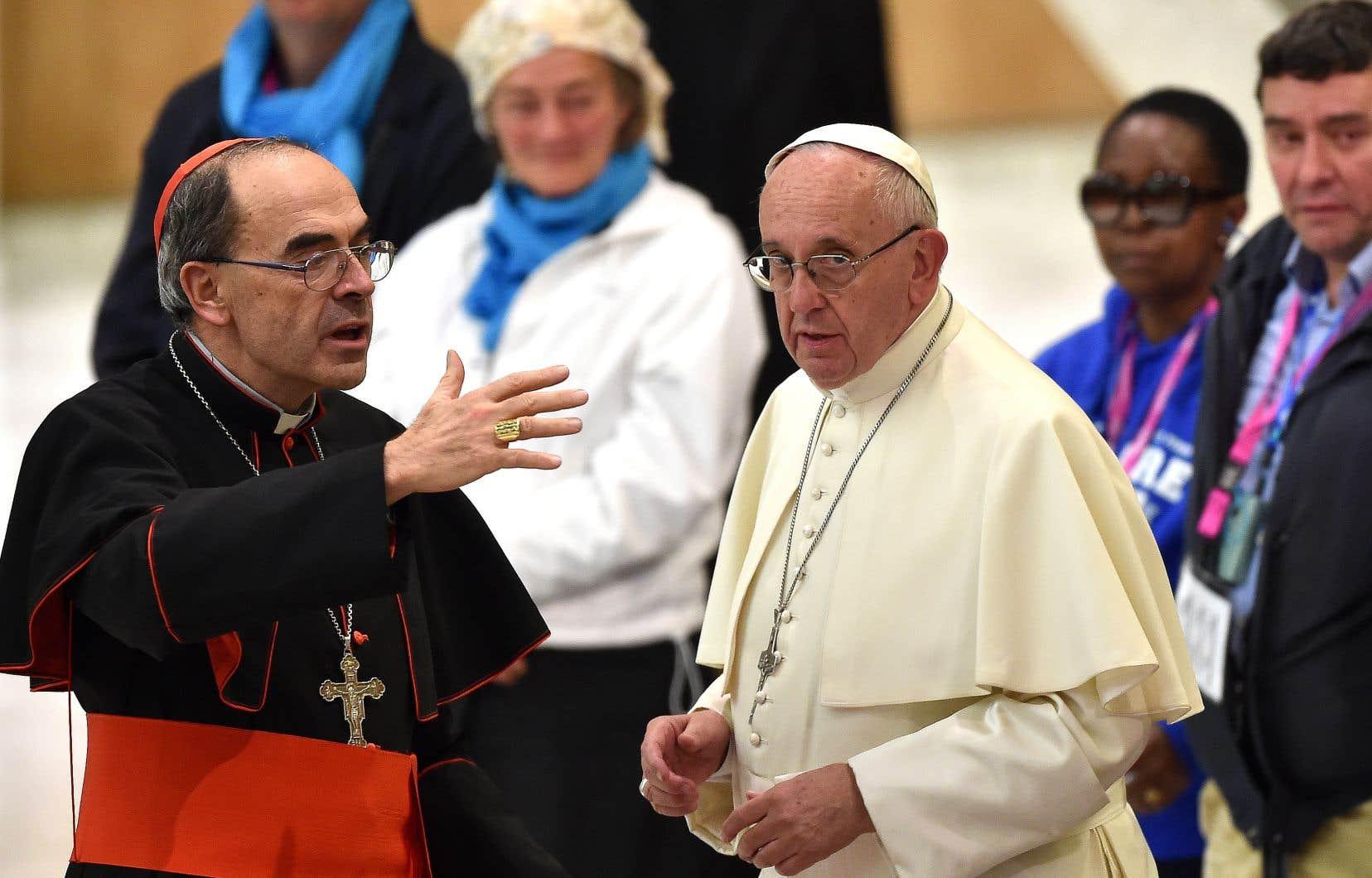 Le cardinal Barbarin a été condamné àsix mois de prison avec sursispour non-dénonciation d'agressions sexuelles.