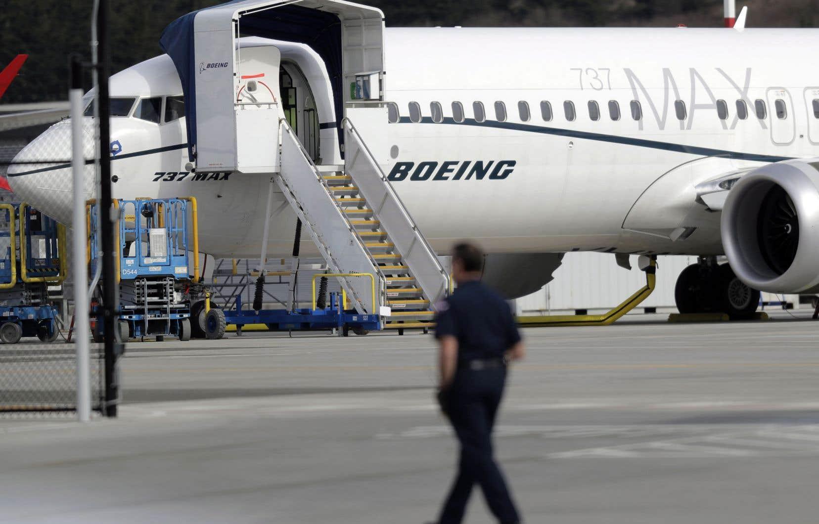 L'Agence fédérale de l'aviation américaine est sous pression pour avoir confié à des employés de Boeing le soin d'inspecter et d'approuver leur propre avion.