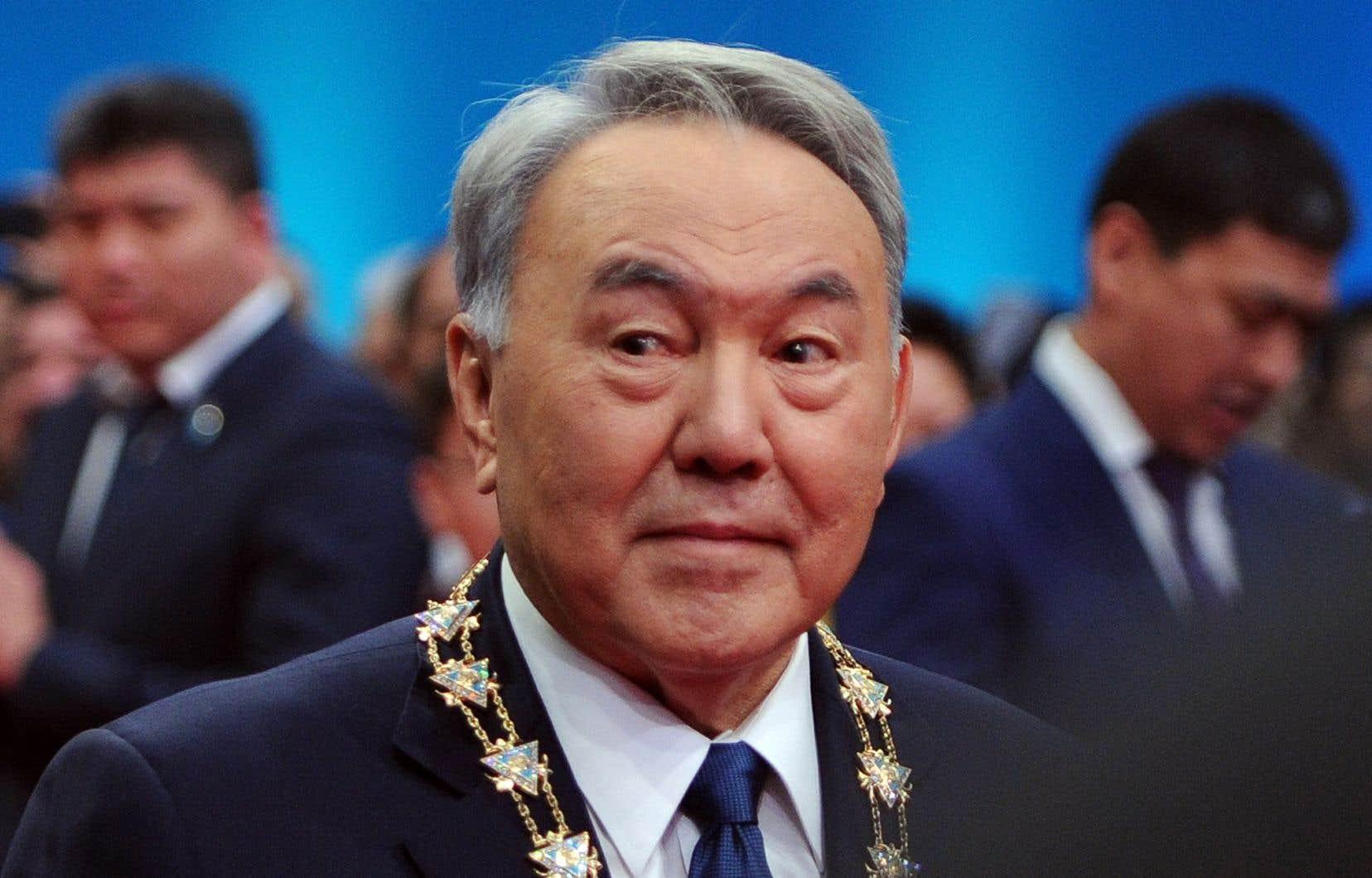 <p>La démission de Noursoultan Nazarbaïev après presque trois décennies de pouvoir en a surpris plus d'un.</p>