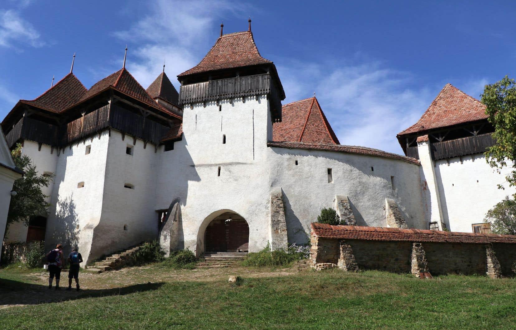 À Viscri, l'église n'est pas une église, c'est une forteresse.