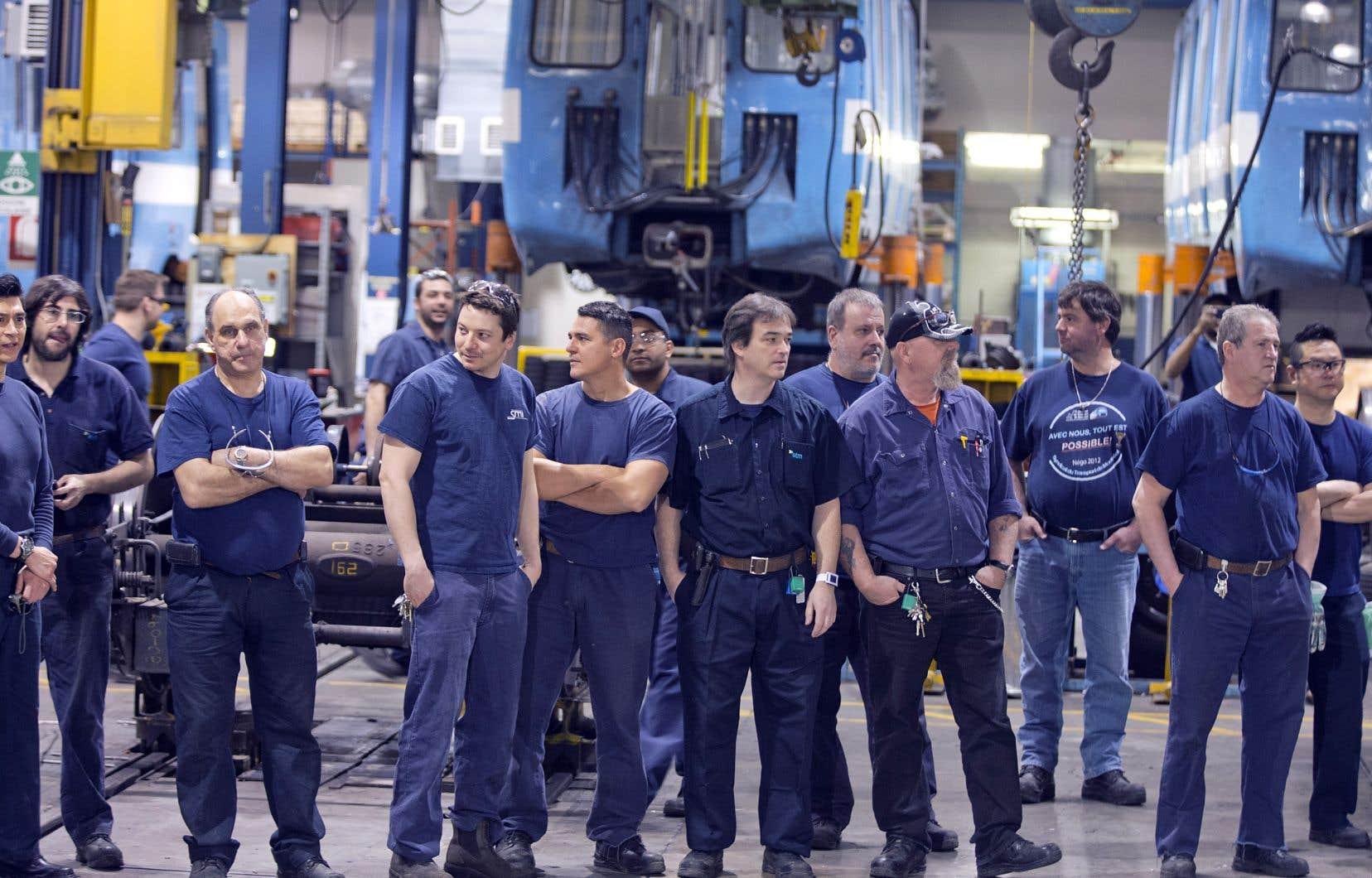 Pour répondre dans l'immédiat à la pénurie de main-d'oeuvre, Québec mise sur les travailleurs de 60 ans et plus, qu'il veut inciter à rester au moins partiellement sur le marché du travail.