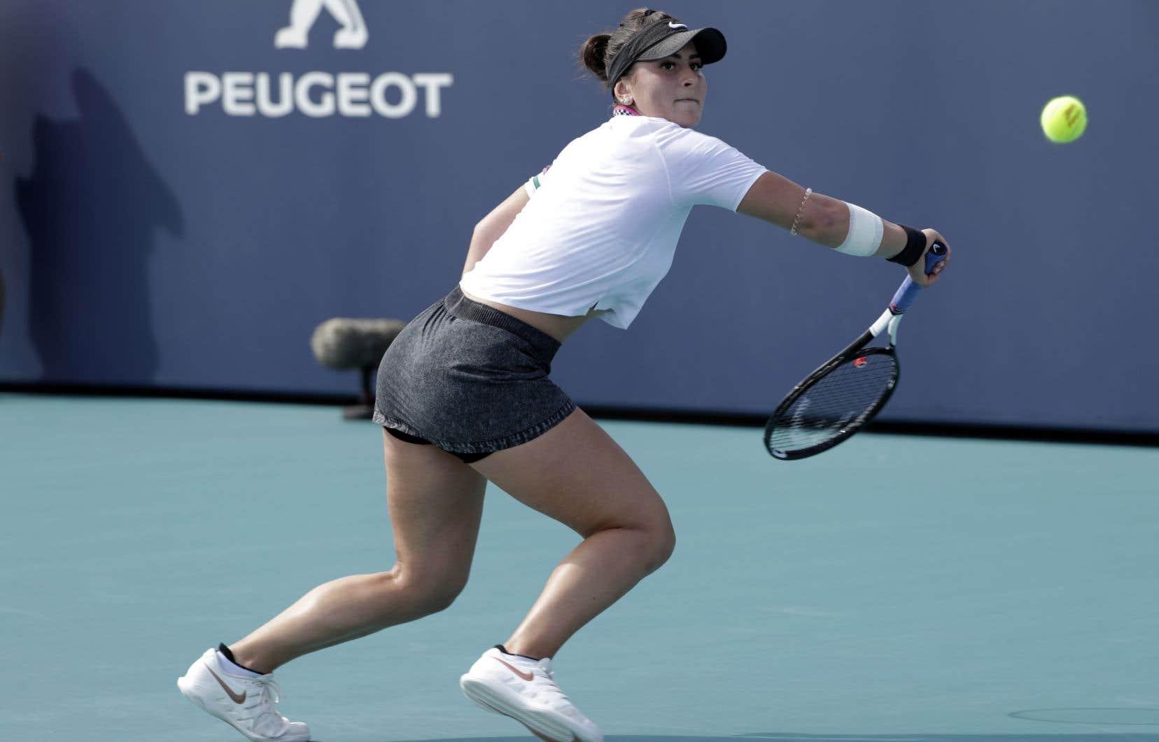 L'Ontarienne Bianca Andreescu, récemment couronnée à Indian Wells, a gagné 4-6, 7-6 (2) et 6-2 contre Irina-Camelia Begu, de la Roumanie.