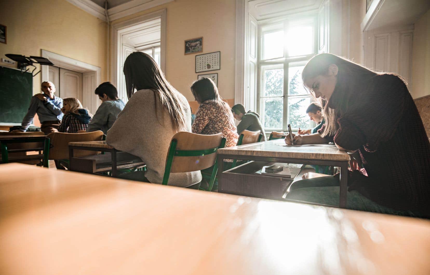 «Peut-être devra-t-on commencer par reconnaître le problème de déficit éducatif structurel auquel nous faisons face, envisager de véritables solutions systémiques qui tireront l'école publique, et avec elle tout le Québec, vers le haut», estime l'auteur.
