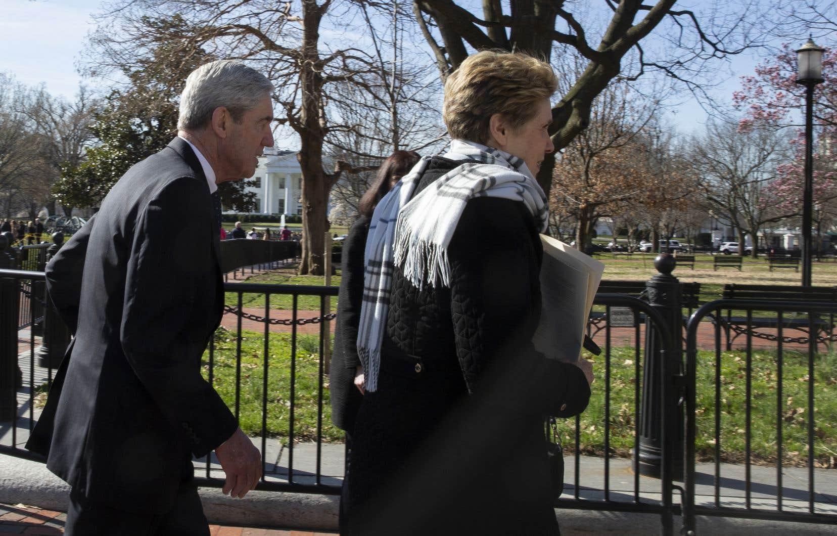 Le procureur spécial Robert Mueller s'est rendu avec sa femme, dimanche, dans une église à un jet de pierre de la Maison-Blanche.