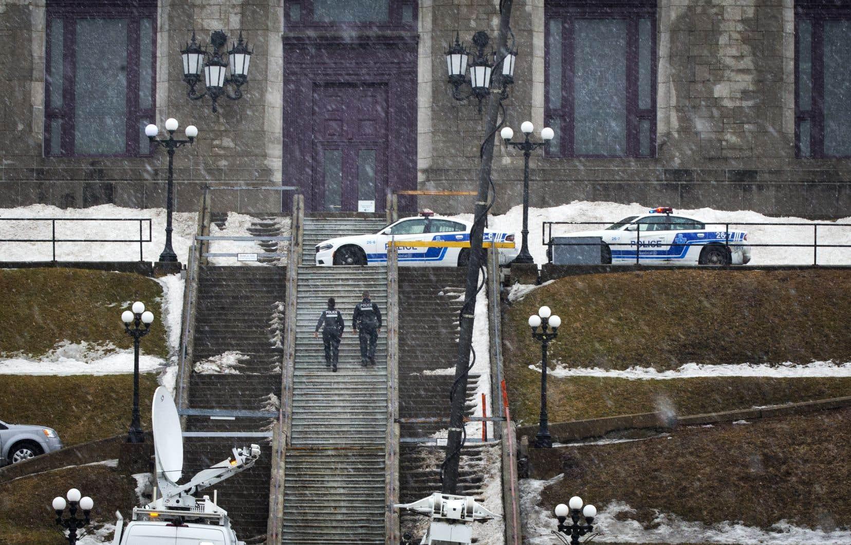 Le 22 mars, l'accusé aurait agressé un prêtre de l'oratoire Saint-Joseph en pleine messe.