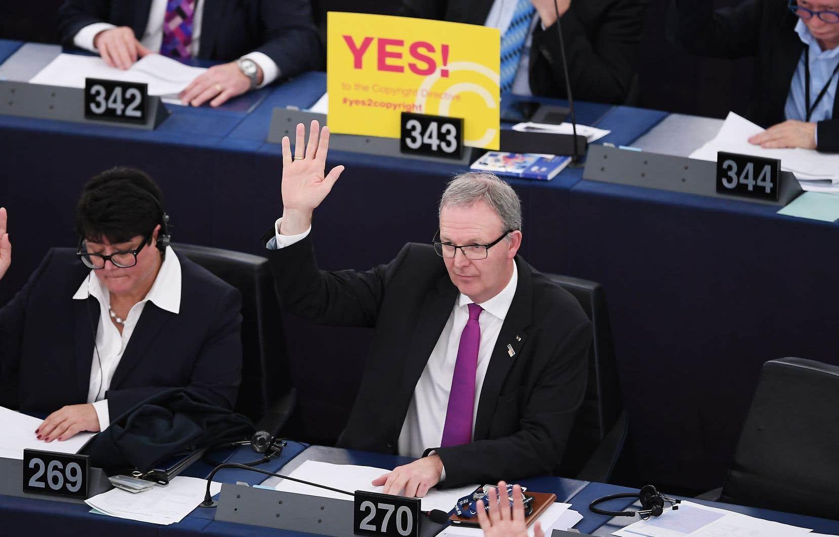 Le député européen Axel Voss pendant le vote